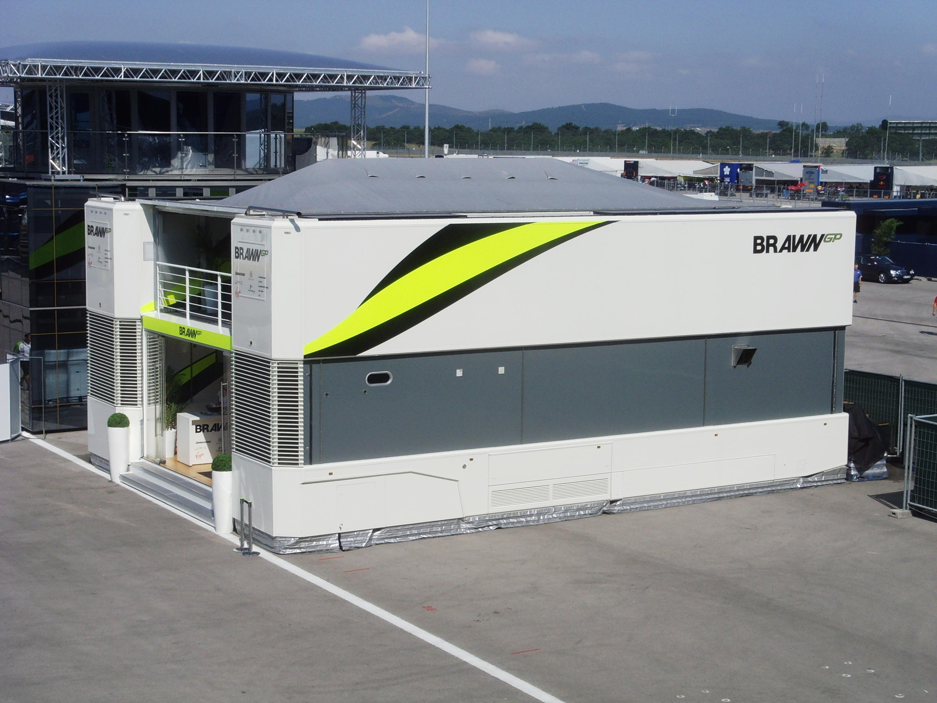 FileIstanbul Park Brawn BGP MotorhomeJPG