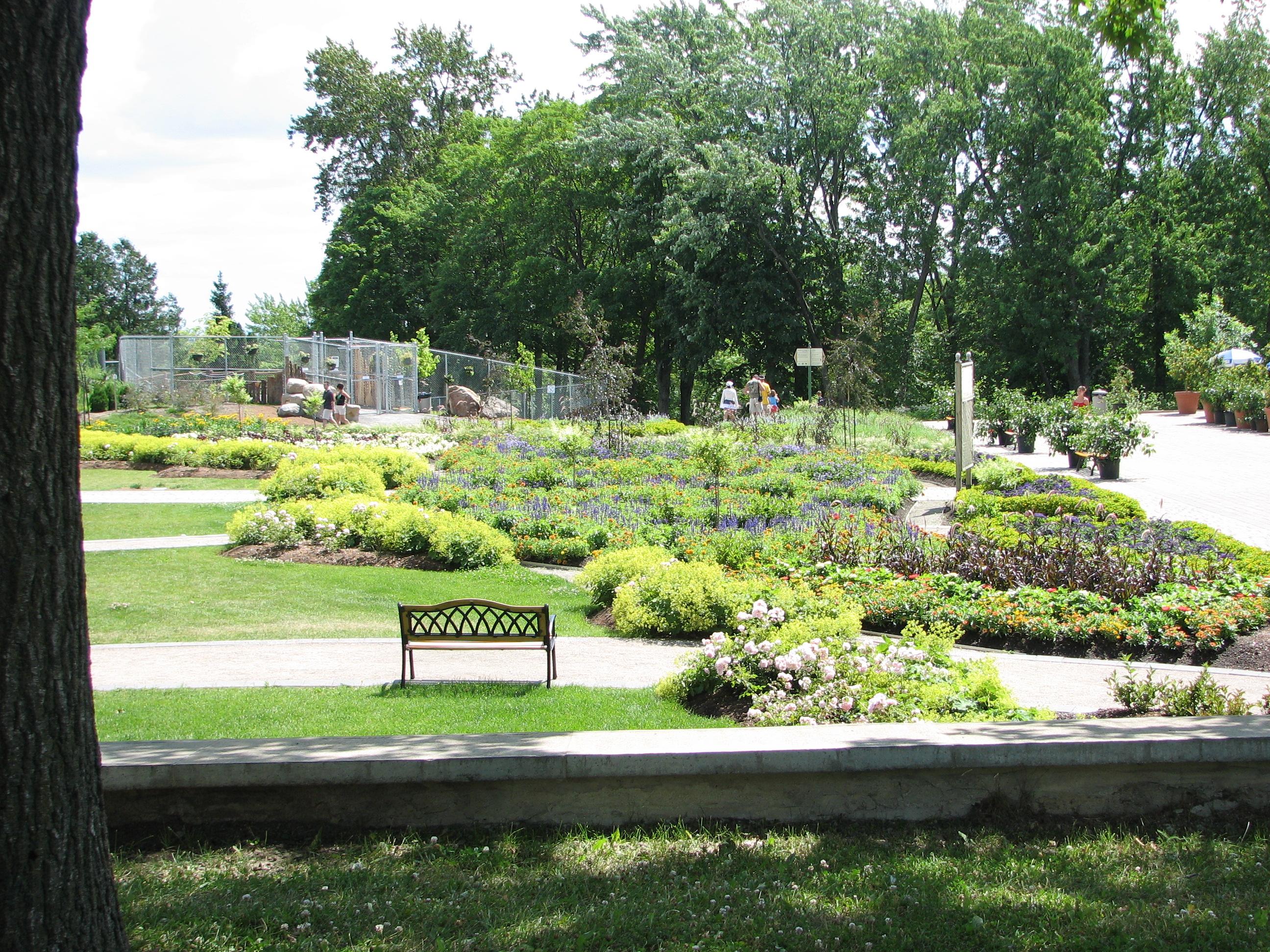 File jardin de la fontaine 02 jardin zoologique de quebec for Le jardin zoologique de berlin