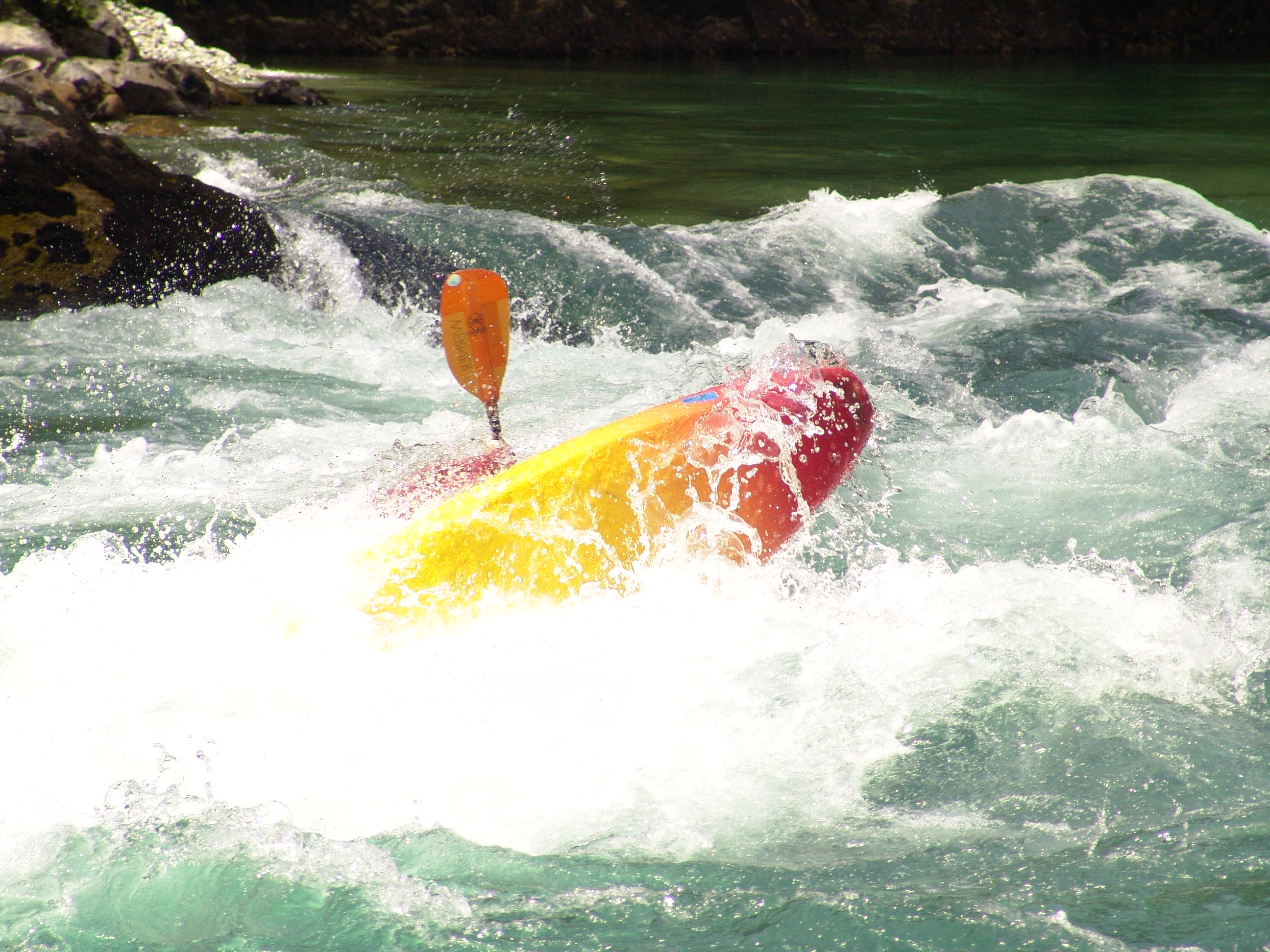 Whitewater kayaking - Wikipedia