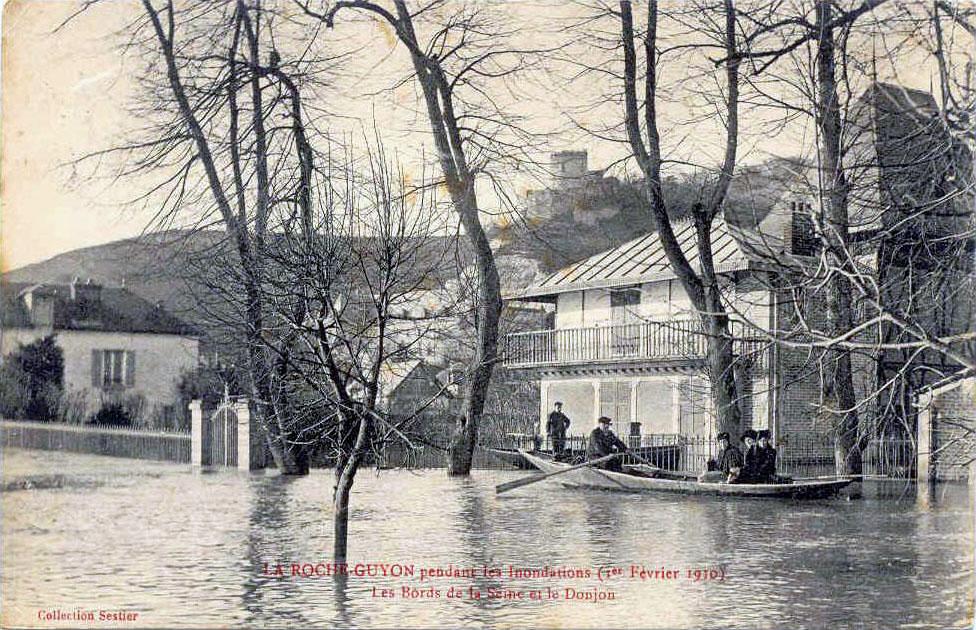 https://upload.wikimedia.org/wikipedia/commons/d/df/La_Roche-Guyon_pendant_les_inondations_-_Les_Bords_de_la_Seine_et_le_Donjon.jpg