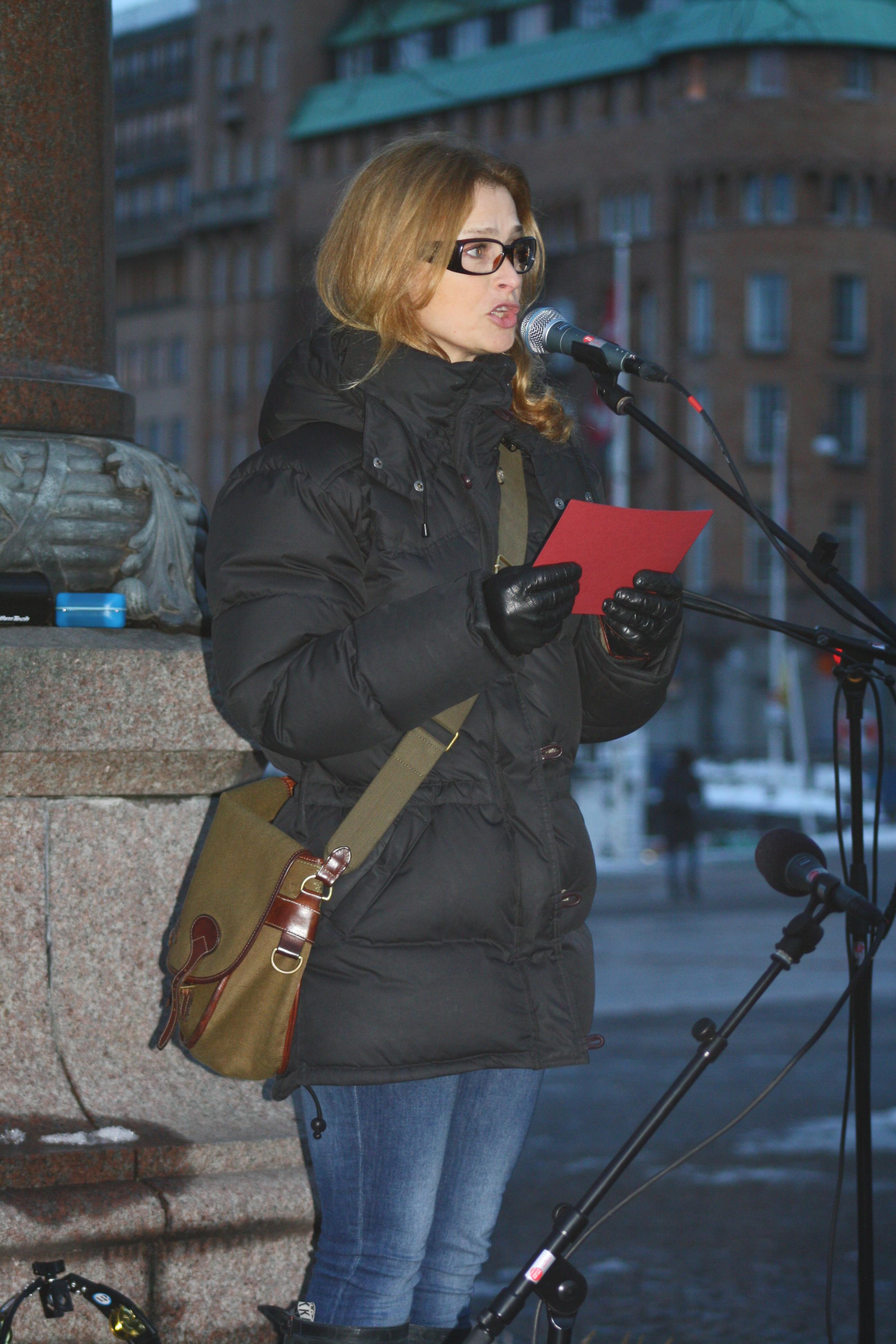Lena Endre Nude Photos 87