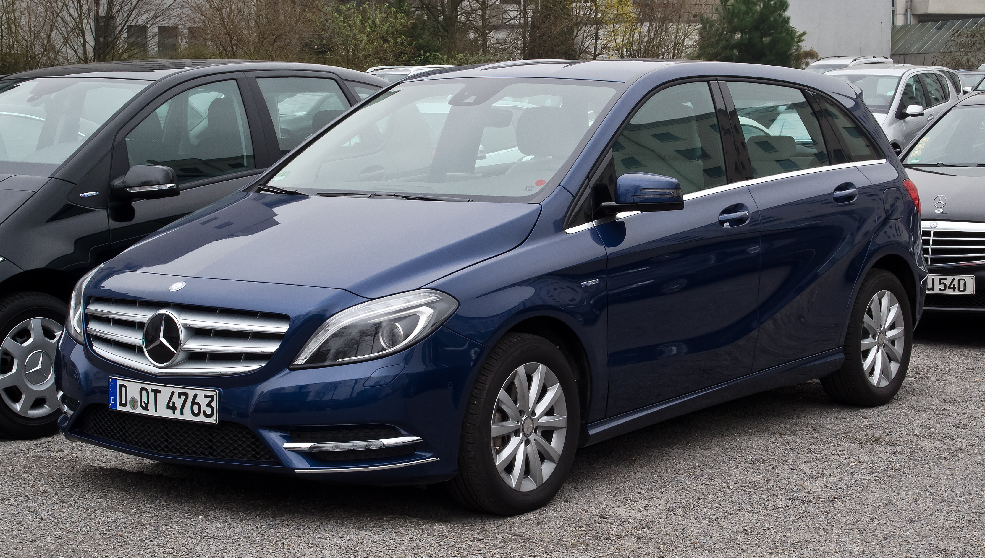 Datoteka mercedes benz b 180 cdi blueefficiency w 246 for What is service a and b on mercedes benz