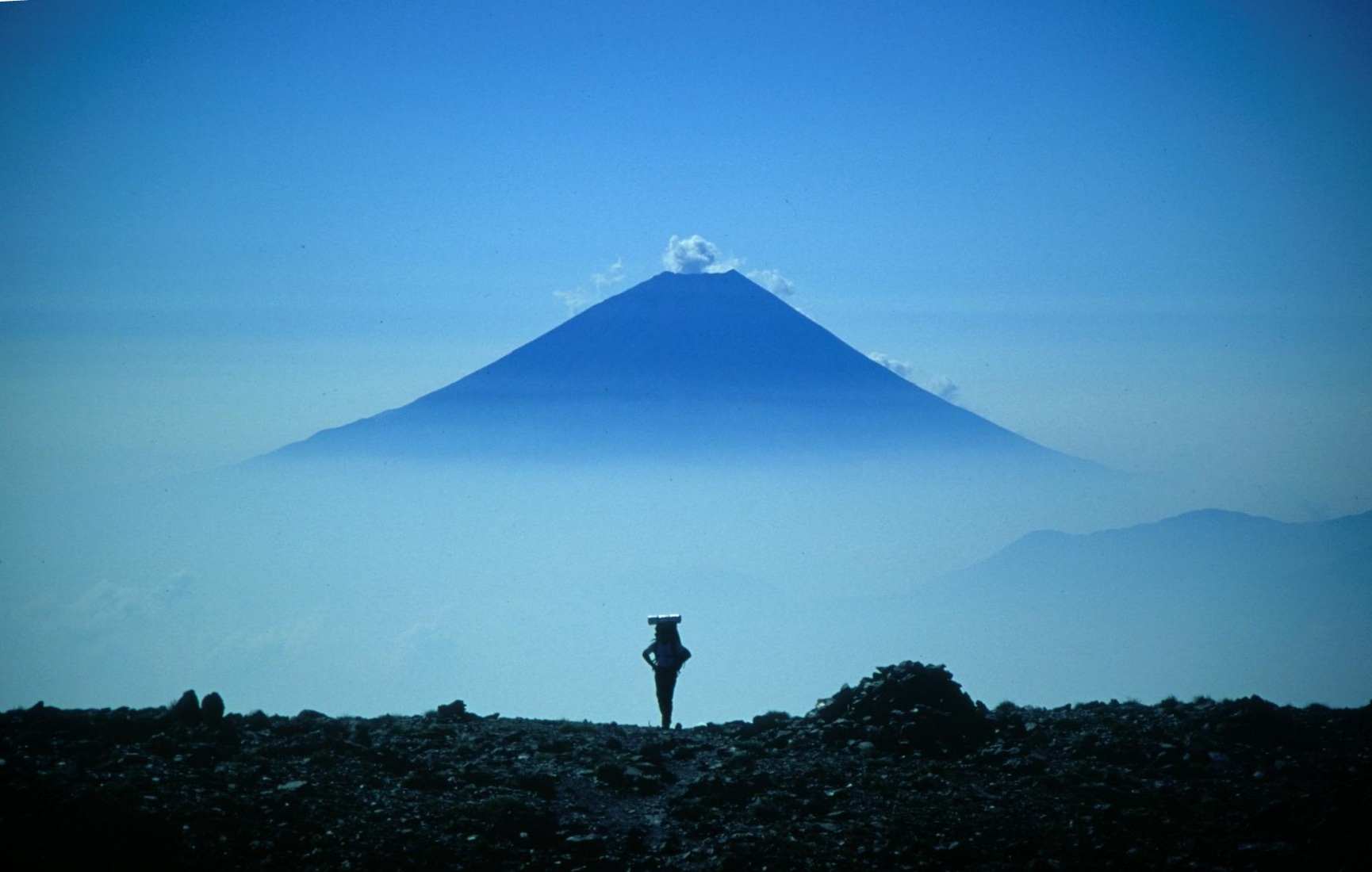 Mount_Fuji_from_Mount_Aino