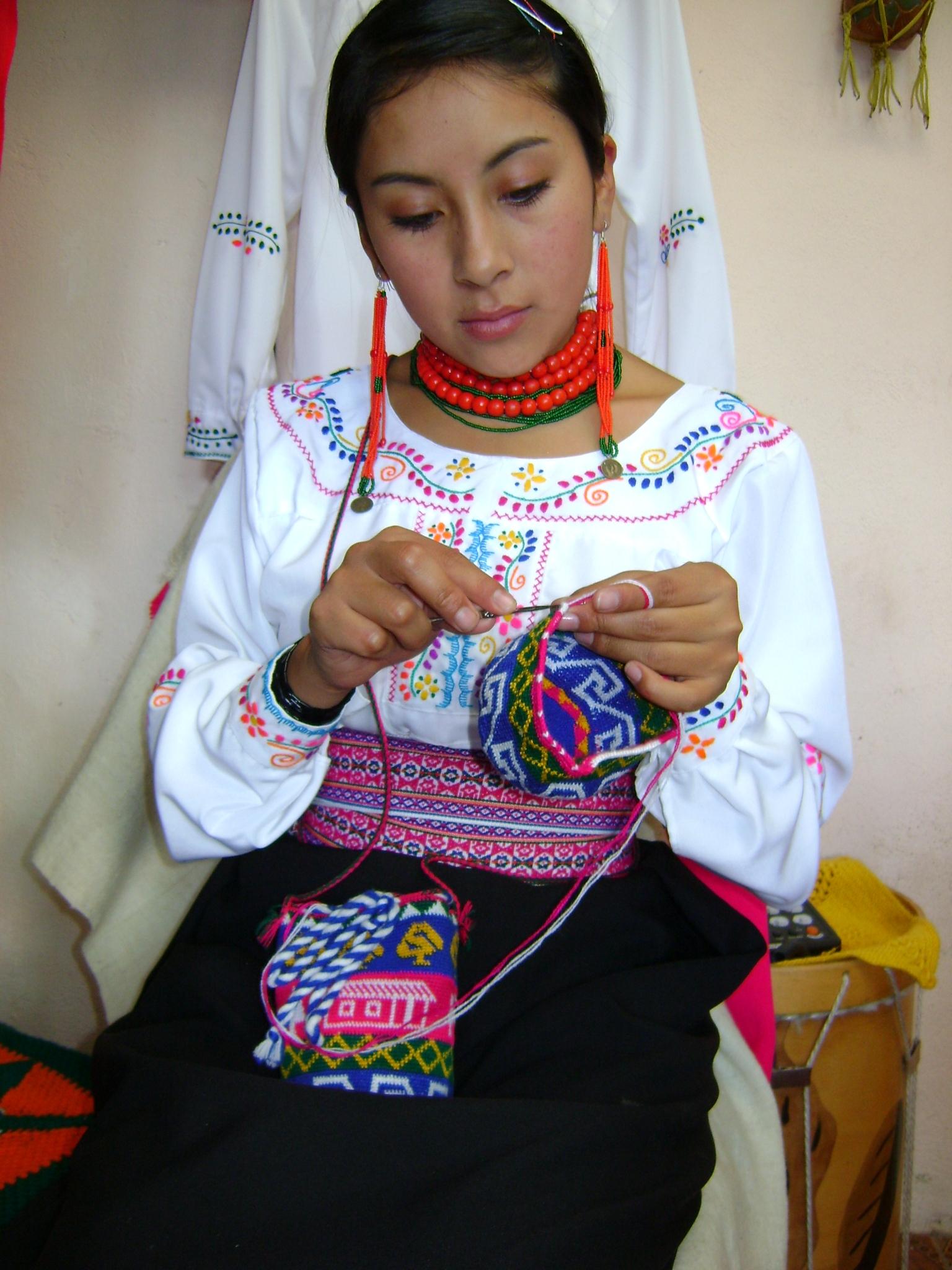 e3846c2e2c0 Archivo:Mujer puruwa.JPG - Wikipedia, la enciclopedia libre