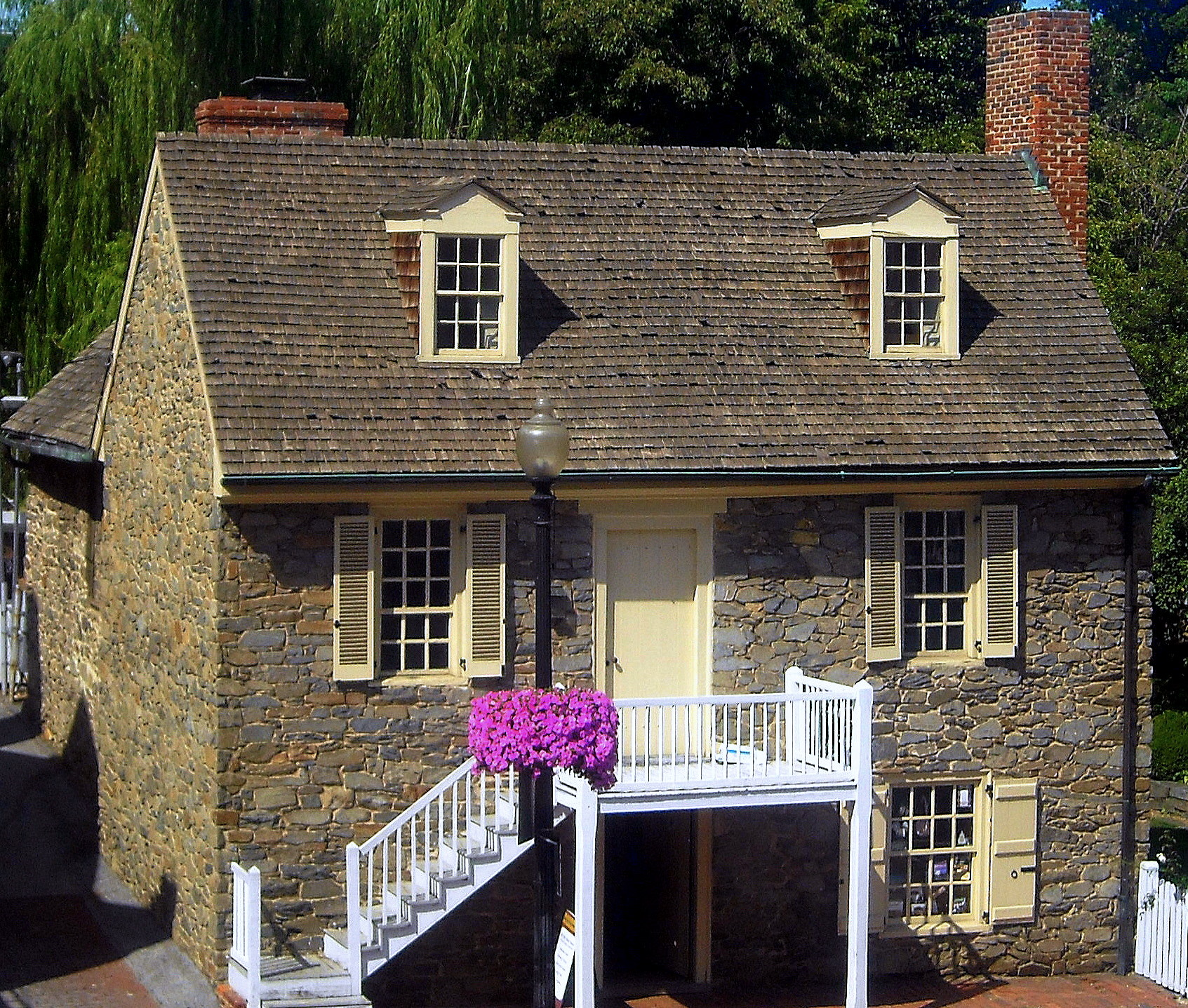 File old stone house wikimedia commons for Georgetown home