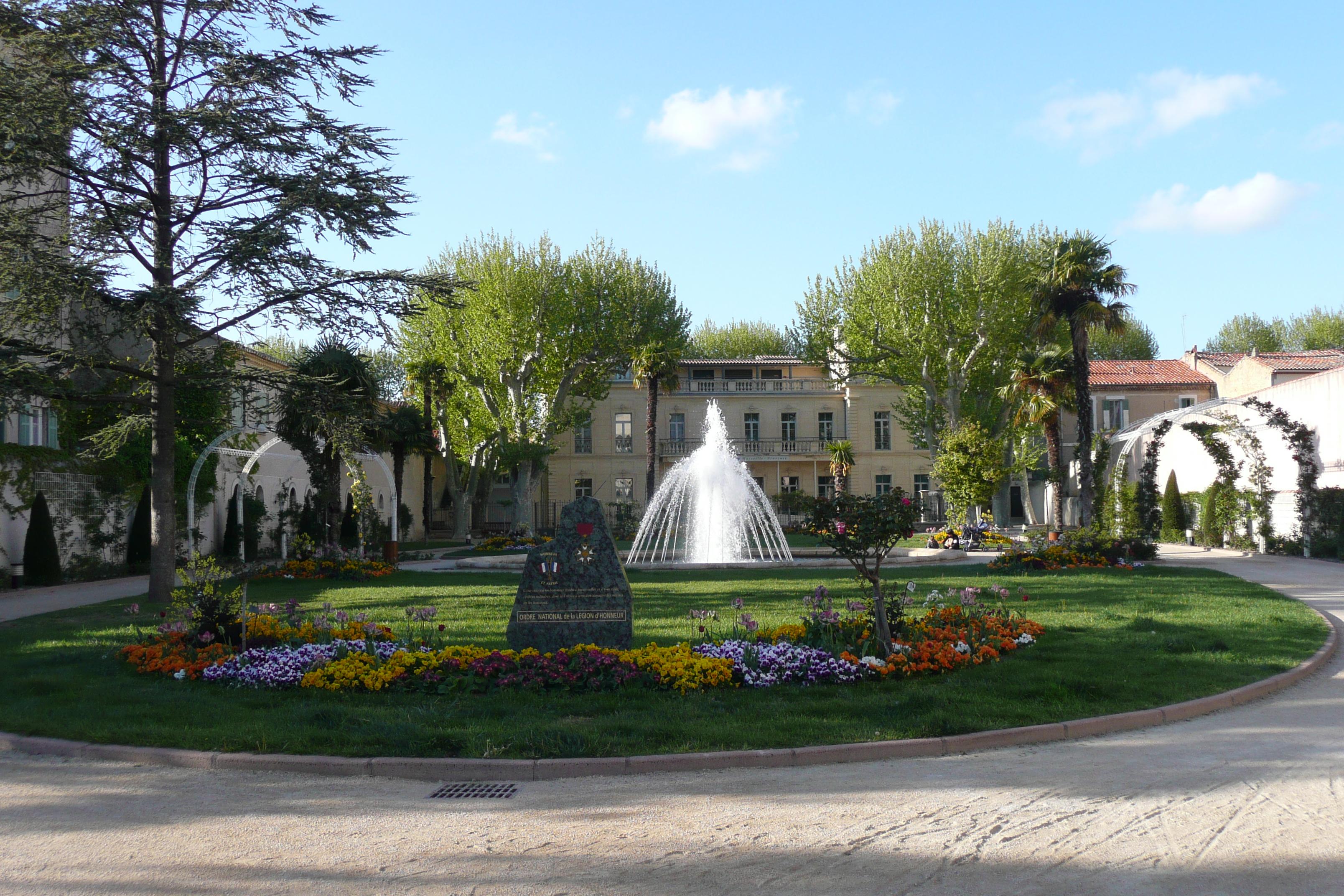 File parc de la l gion d 39 honneur salon de provence jpg - Salon des gourmets salon de provence ...