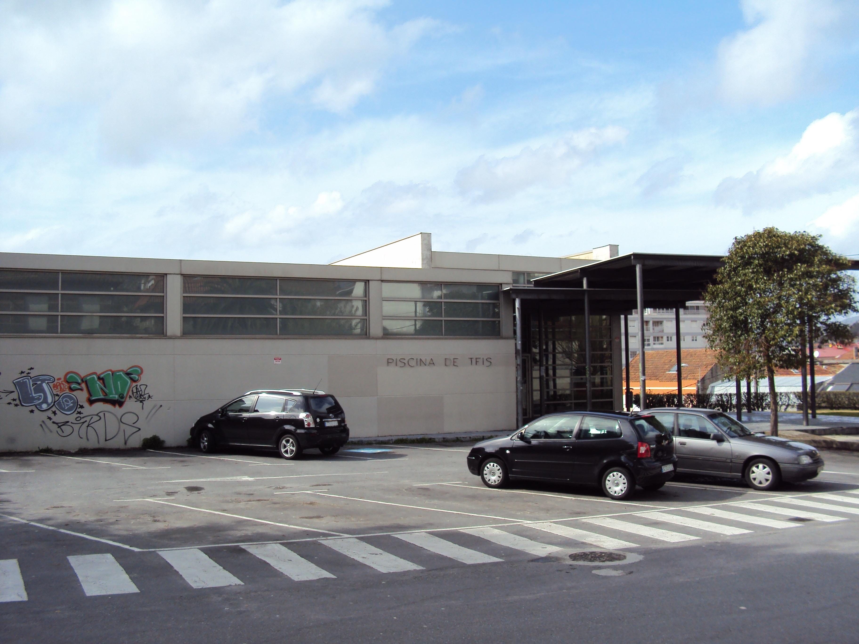 File piscina municipal de teis wikimedia commons for Piscina municipal vigo
