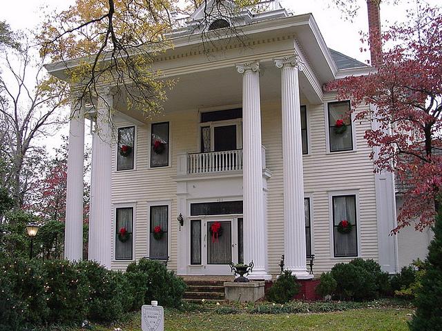 File:Reynolds-McGehee Mansion c.1906.jpg