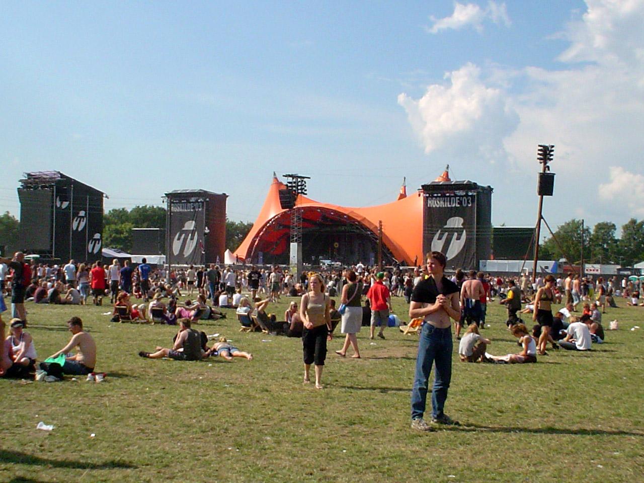 File:Roskilde festival 2762003.JPG  Wikimedia Commons