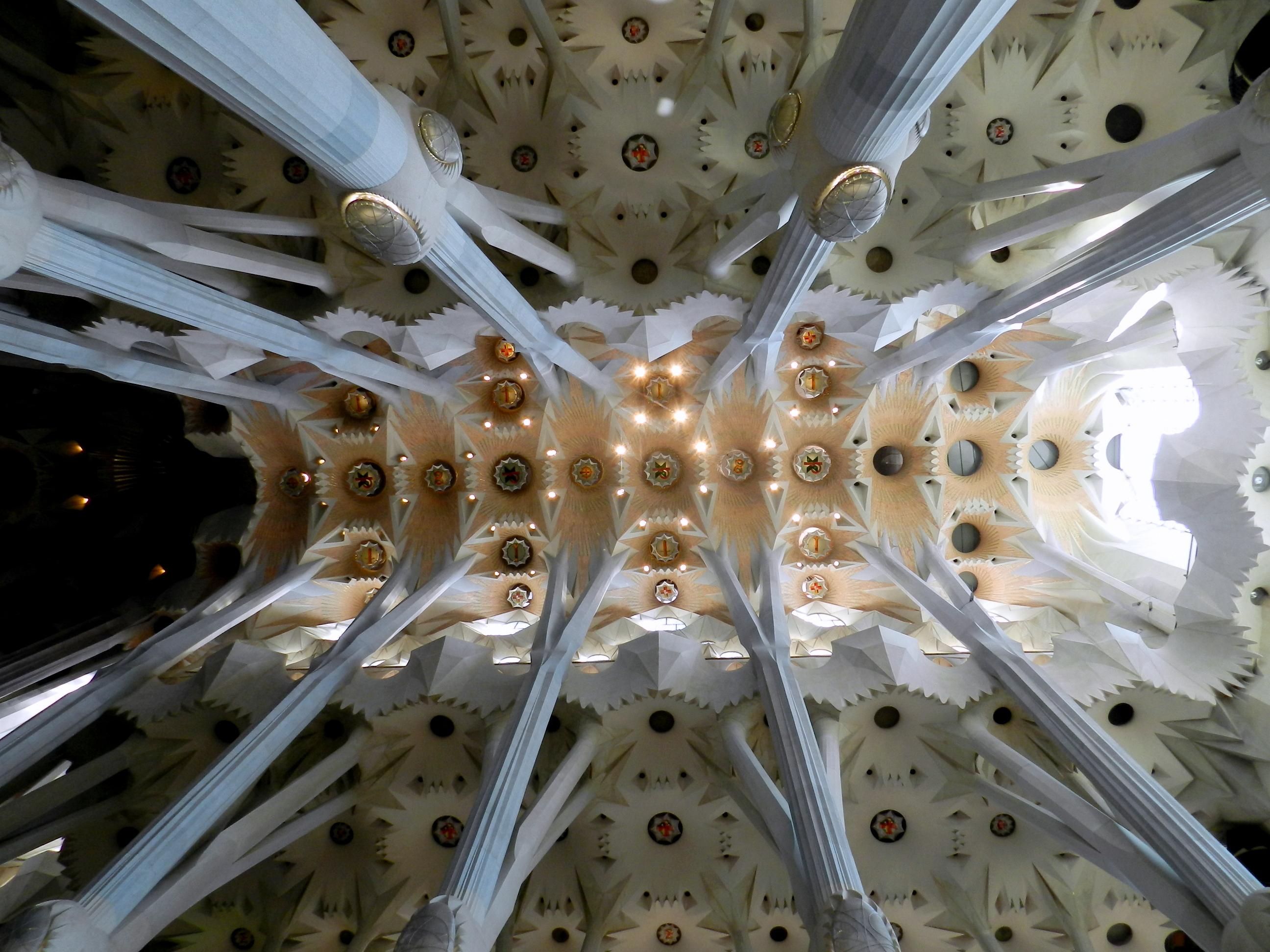 Sagrada Familia (voûte) (5).JPG