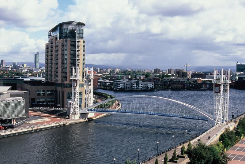 Fichier:Salford Quays Bridge.jpg