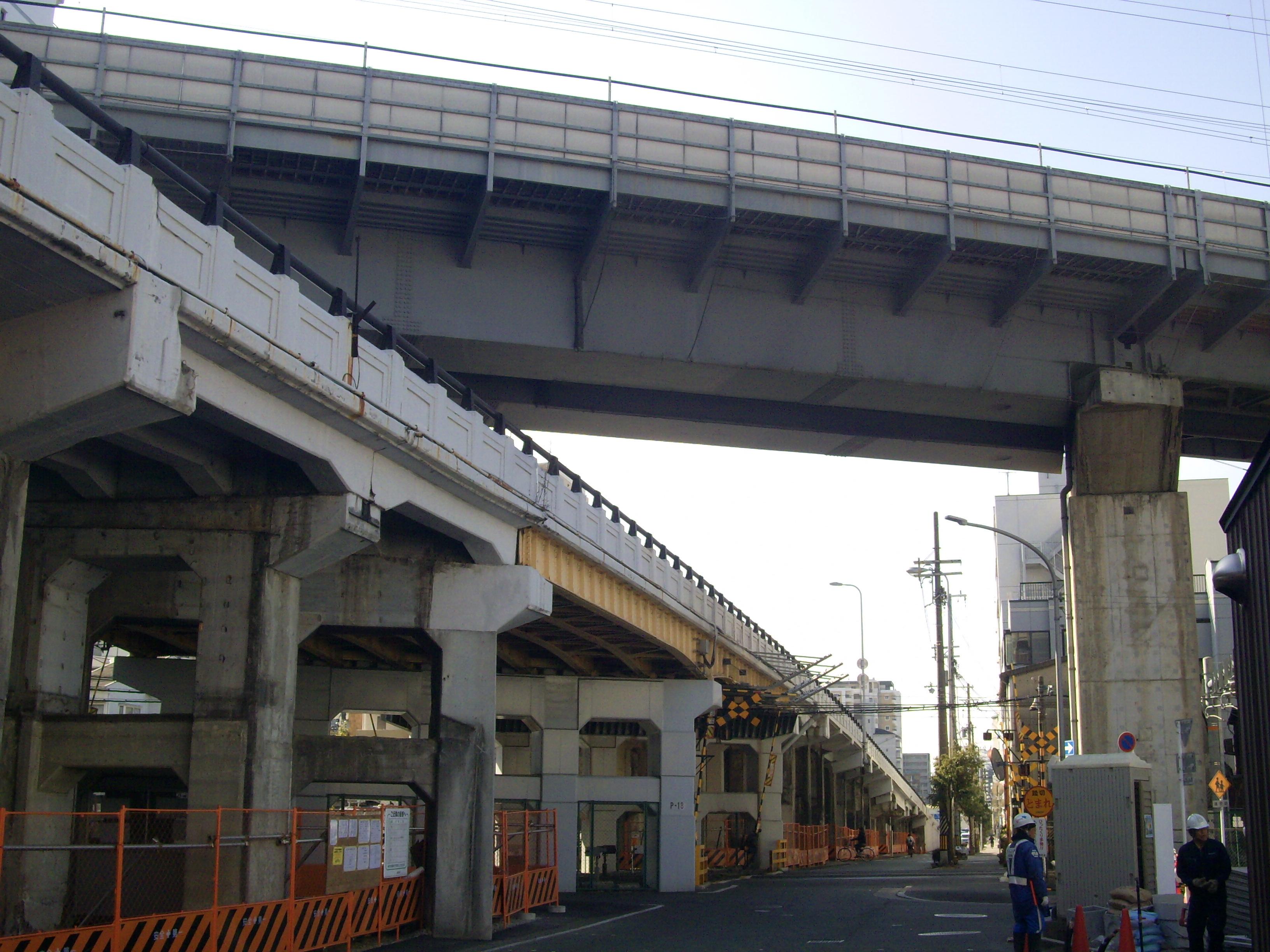https://upload.wikimedia.org/wikipedia/commons/d/df/Sanyo_Shinkansen_Mitsuya-%E2%85%A1_Bv_01.jpg