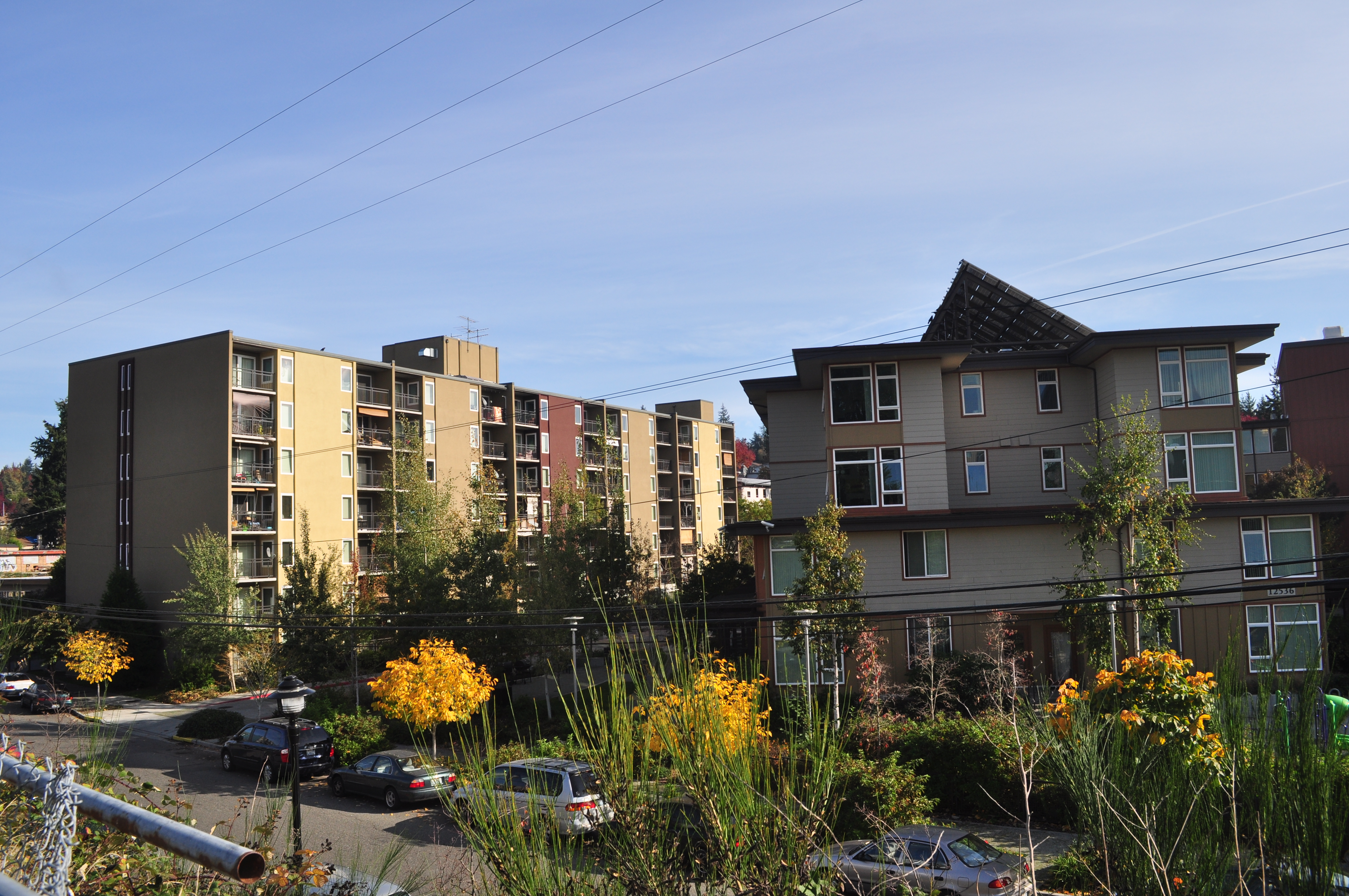 City Apartment Buildings file:seattle - lake city - apartment buildings 02 - wikimedia