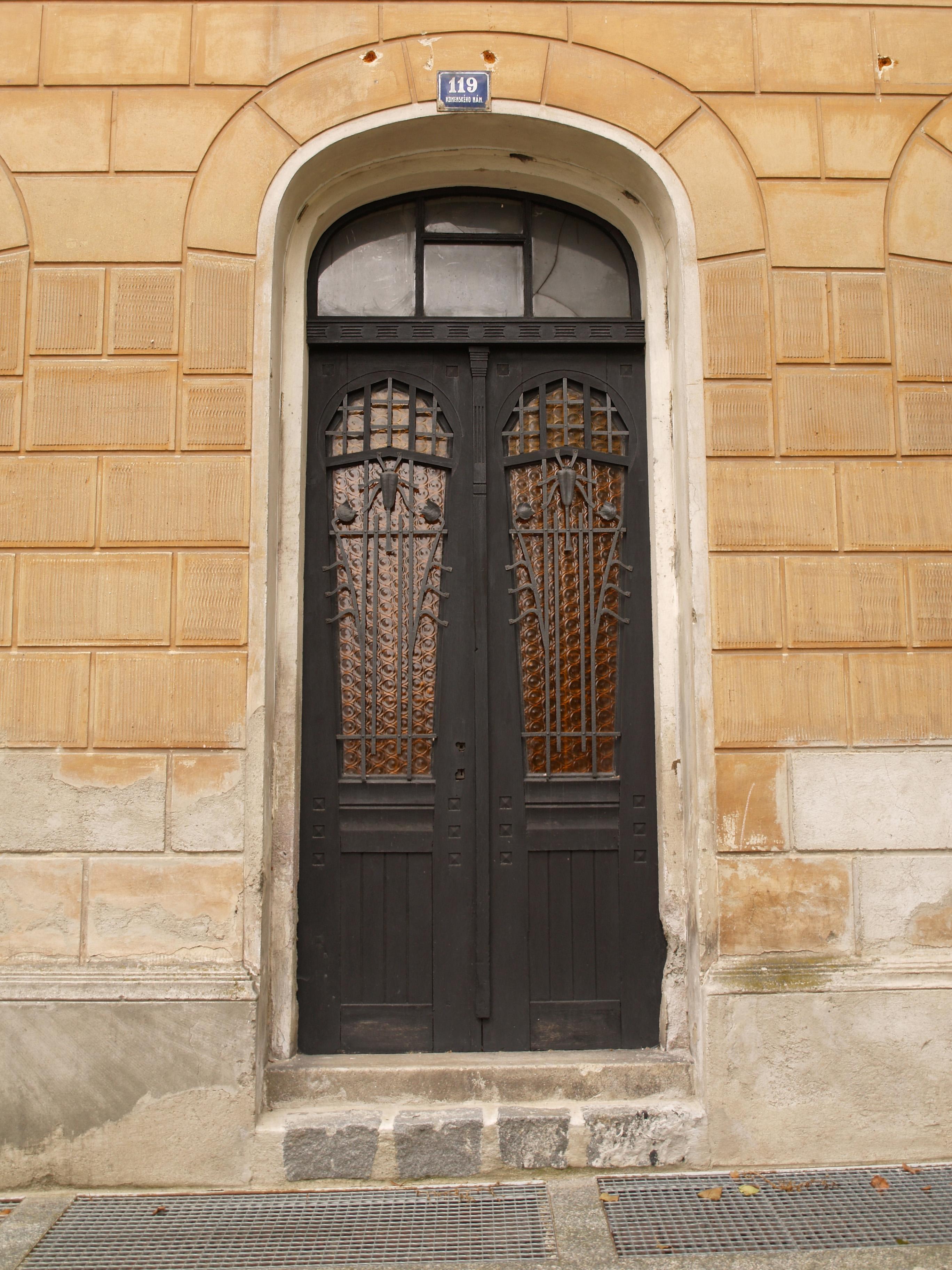 dveře s izolačními vlastnostmi