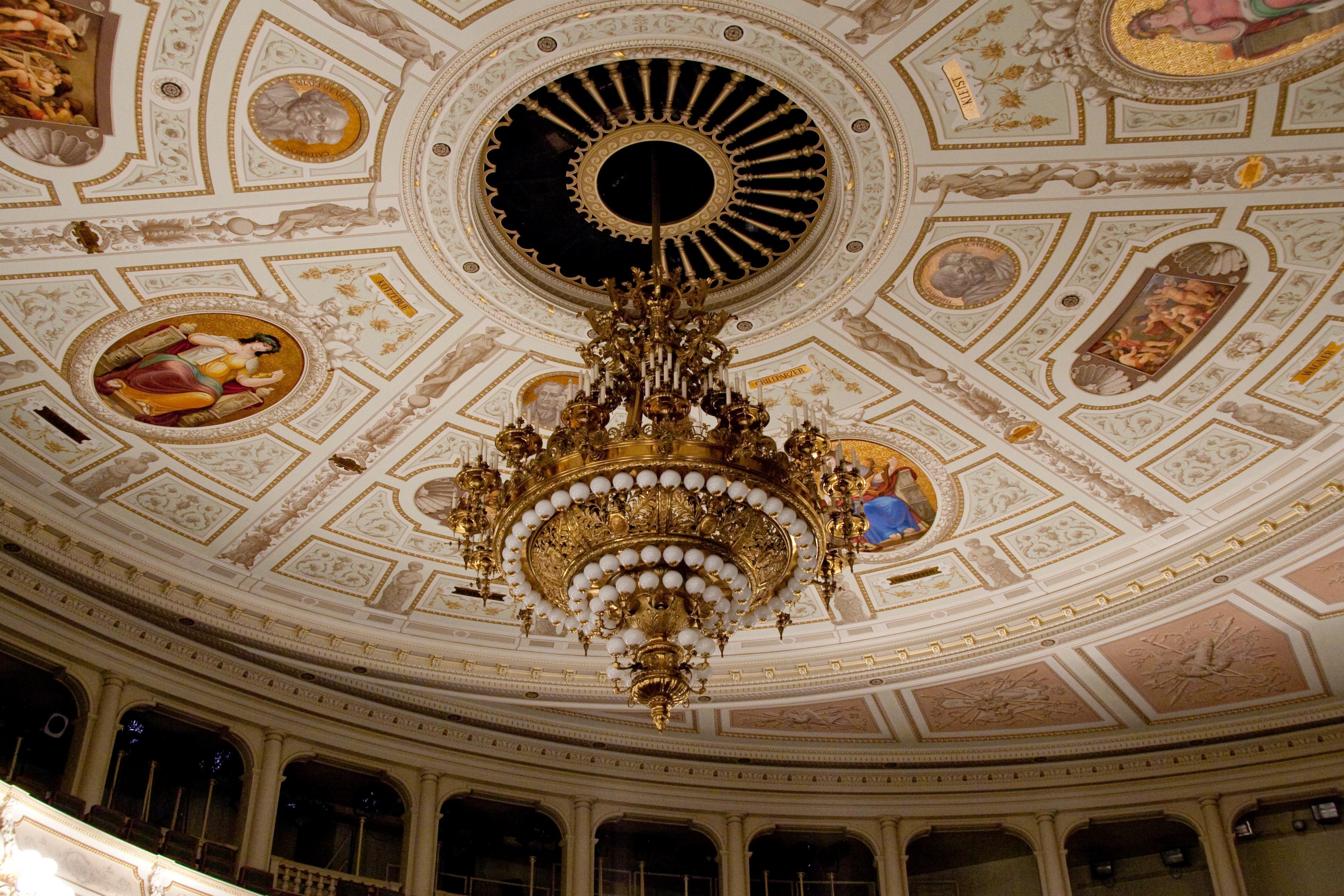 File:Semperoper Interior - 4, Dresden.jpg - Wikimedia Commons