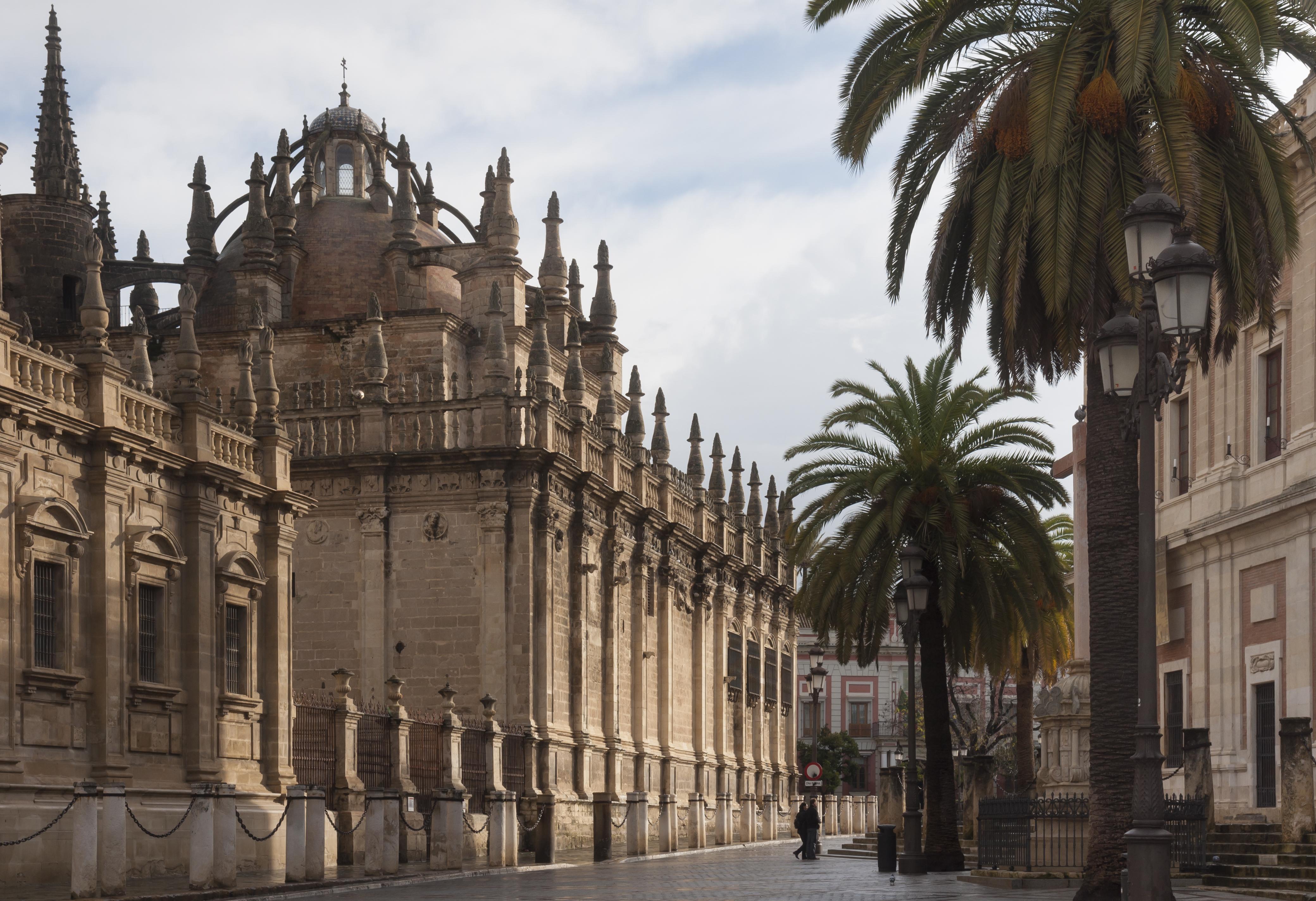 https://upload.wikimedia.org/wikipedia/commons/d/df/Sevilla_Spain_Calle-Fray-Ceferino-Gonzales-01.jpg