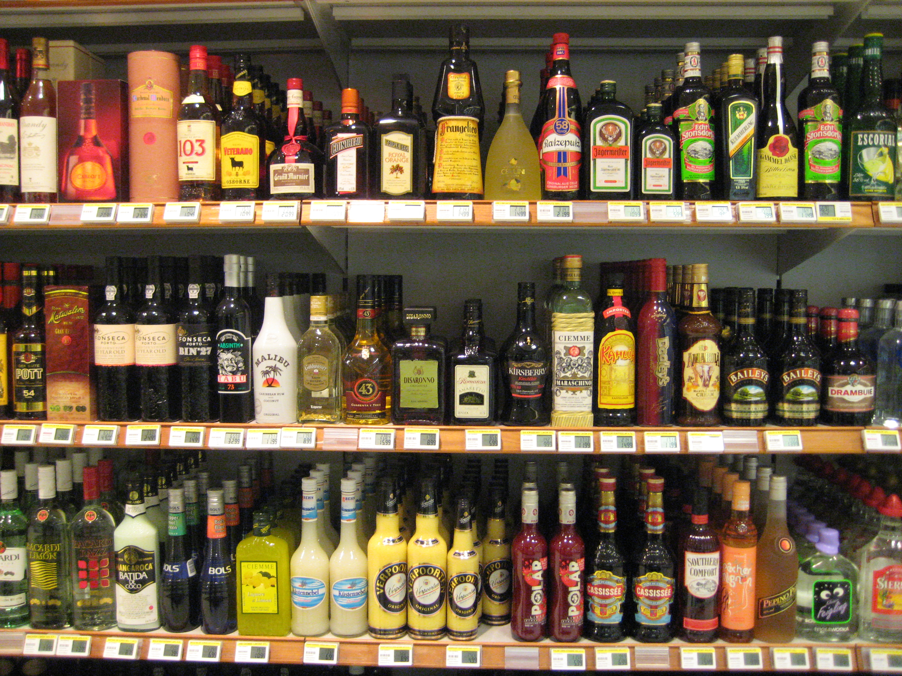 Alcoholic Drinks Prices In Calais Supermarkets