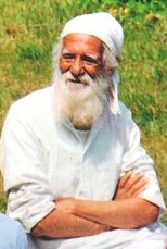 Sunderlal Bahuguna at New Tehri cropped.jpg