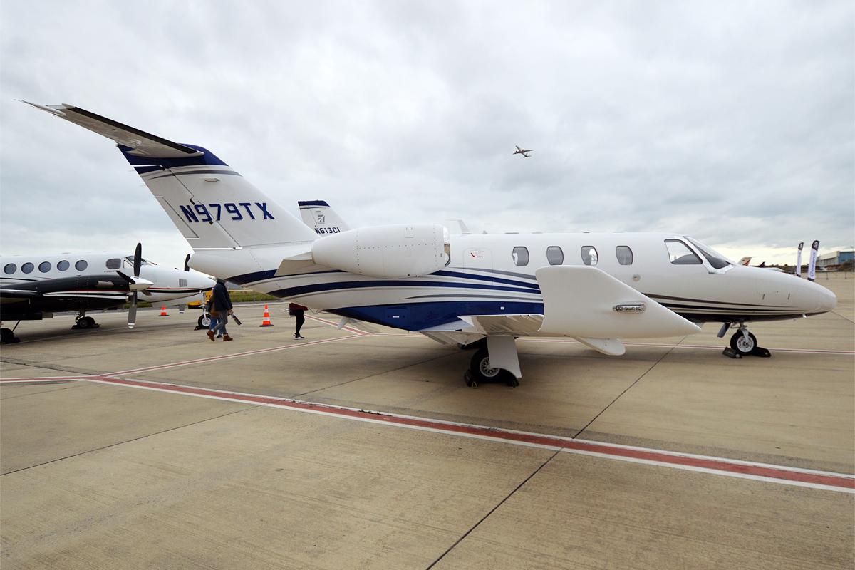 File:Textron Aviation, N979TX, Cessna 525 Citation M2 (31378961118