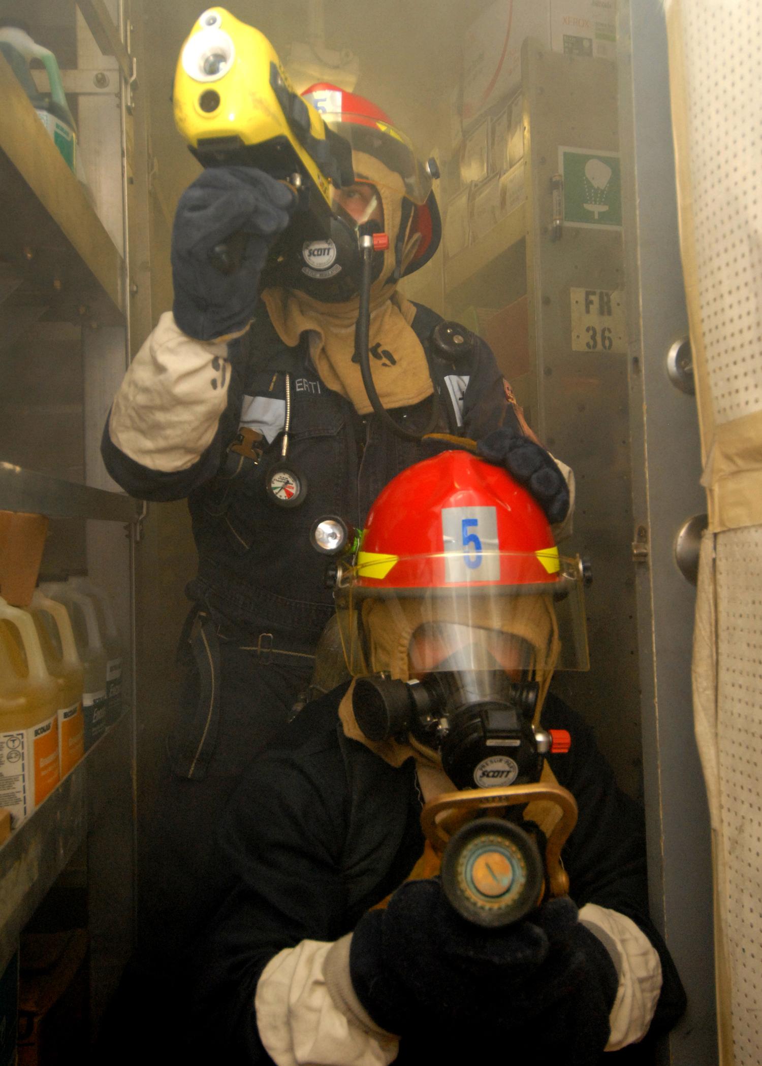 File:US Navy 080217-N-5476H-039 Damage Controlman 3rd Jason ...