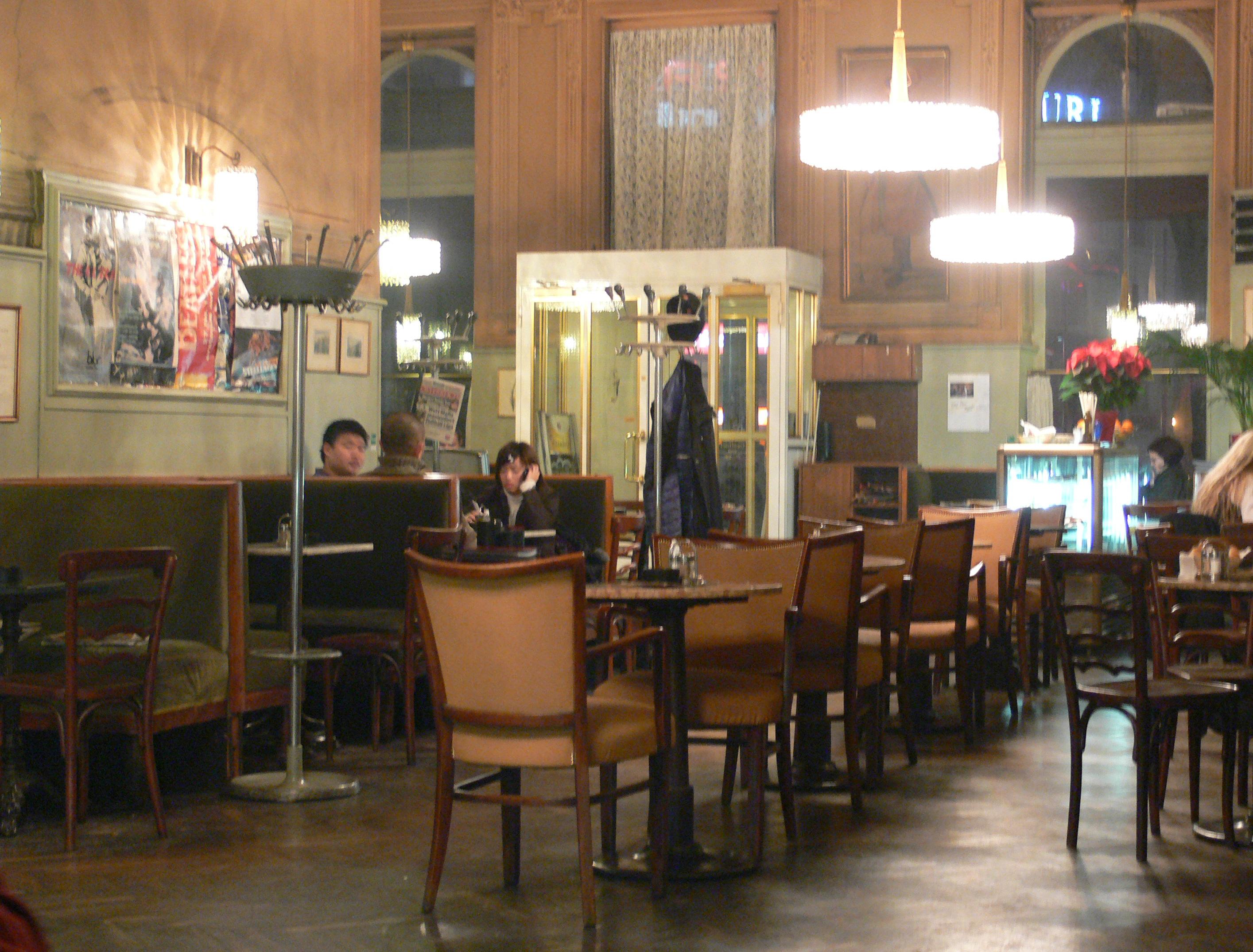 Hotel Restaurant Caf Ef Bf Bd Hensienne