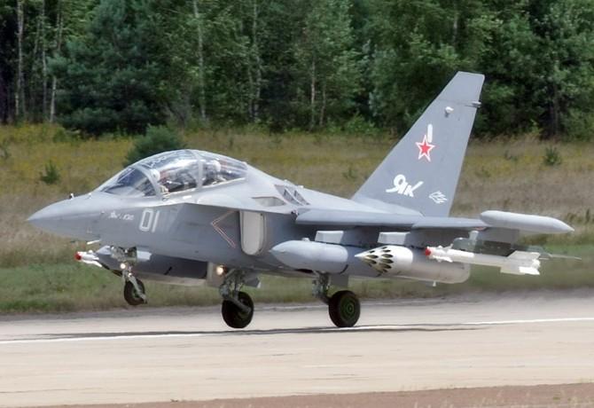 DOST BOLO SRANDY ZO MNA - JAKOVLEV - Stránka 5 Yak130MAKS