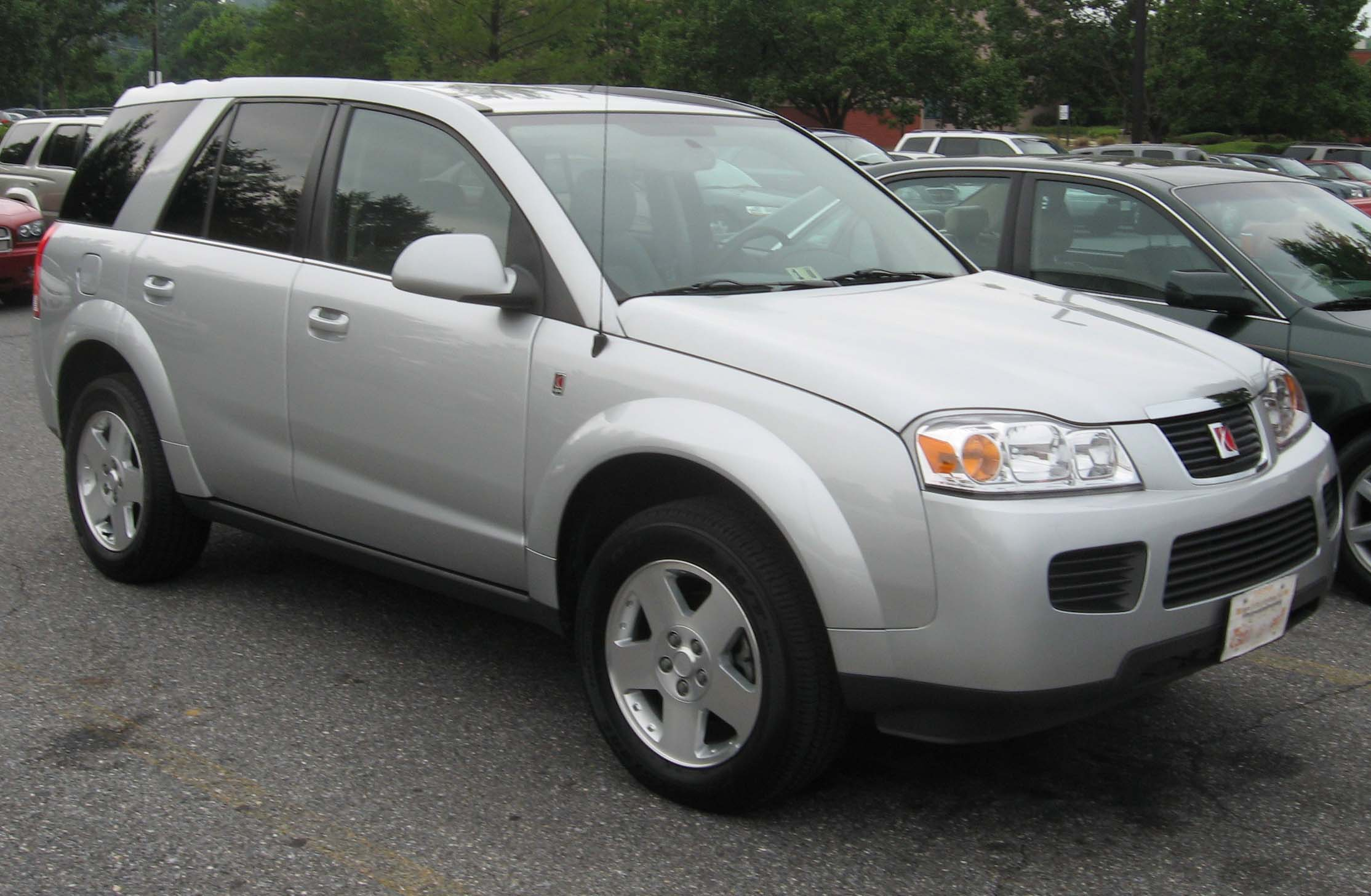 File:06 07 Saturn Vue 2