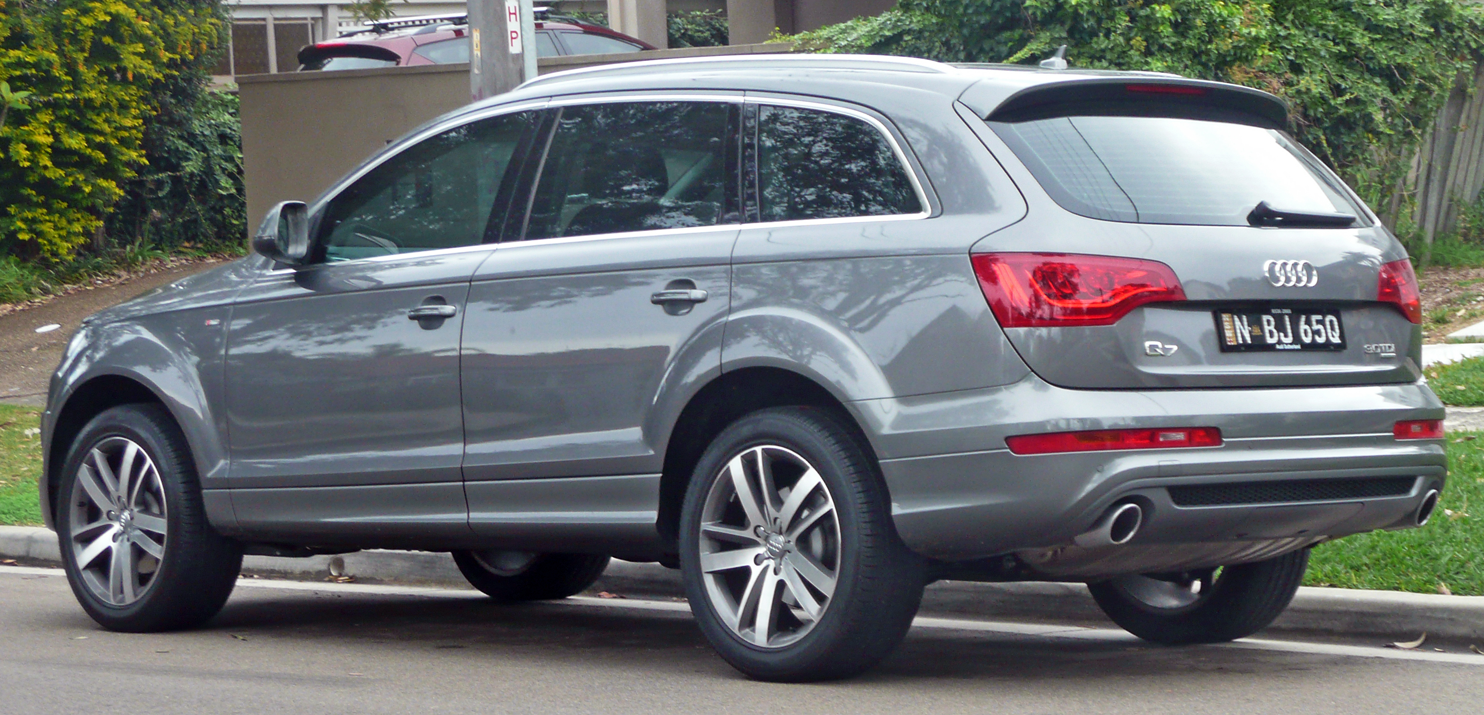 file 2009 2010 audi q7 3 0 tdi quattro wikipedia. Black Bedroom Furniture Sets. Home Design Ideas