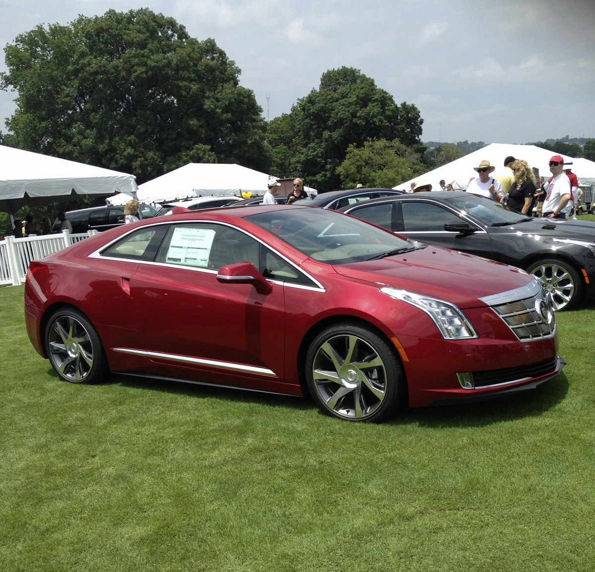 File:2014 Cadillac ELR Coupe(1).jpg