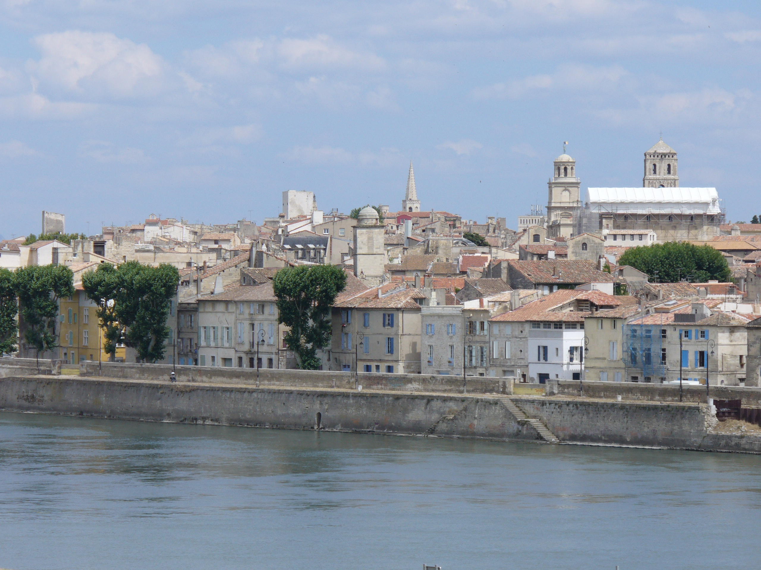 Arles France  city photos gallery : ... .Blick vom Ufer der Rhone auf Arles Provence Wikimedia Commons