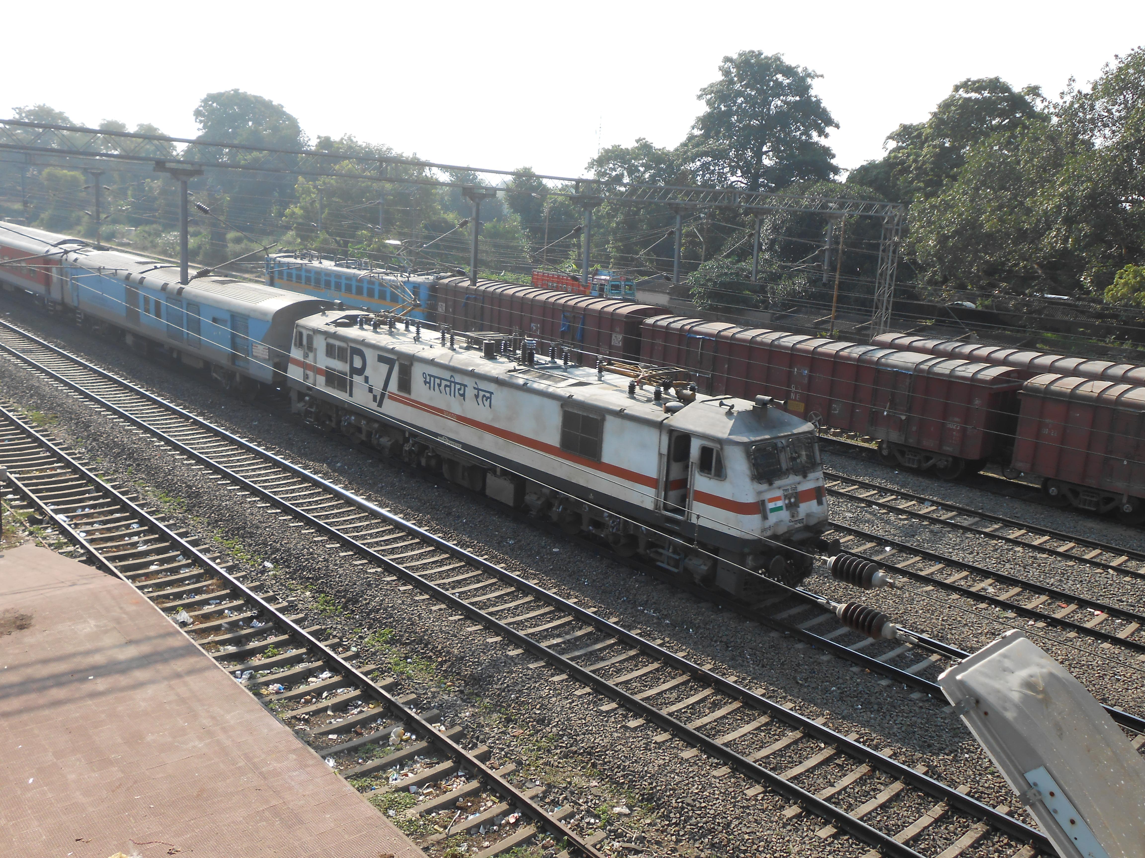 Indian Locomotive Class Wap 7 Wikipedia My House Has A Generator Transfer Switch Protran 30310b Attached To Ghaziabad Based Head On Generation Hog Hauling Bhubaneswar Rajdhani Express At Balasore Odisha