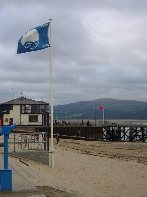 Aberdyfi_blue_flag_beach_-_geograph.org.uk_-_520705.jpg?profile=RESIZE_710x