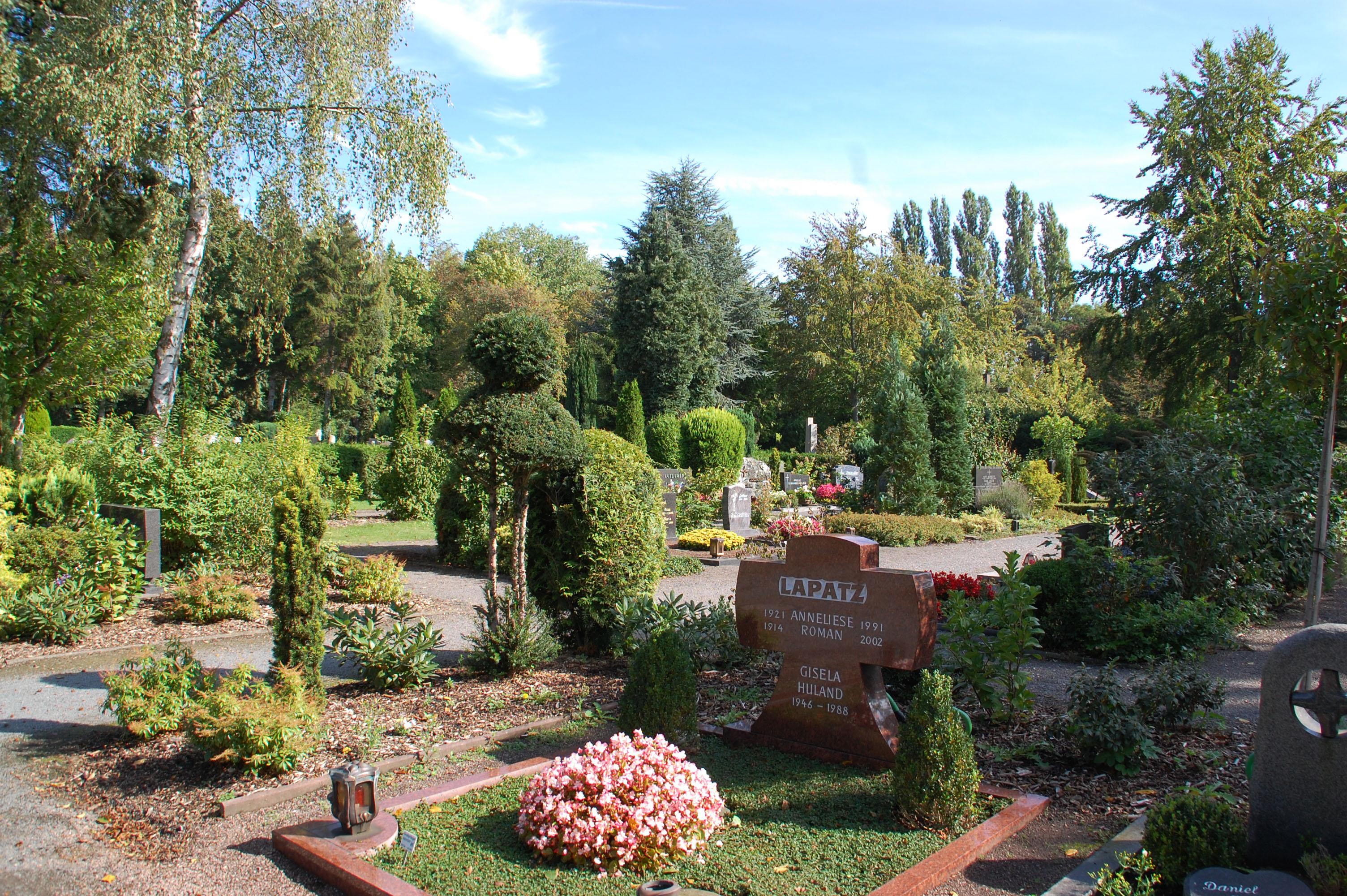 File:Alt-Hürth Friedhof 01.jpg - Wikimedia Commons