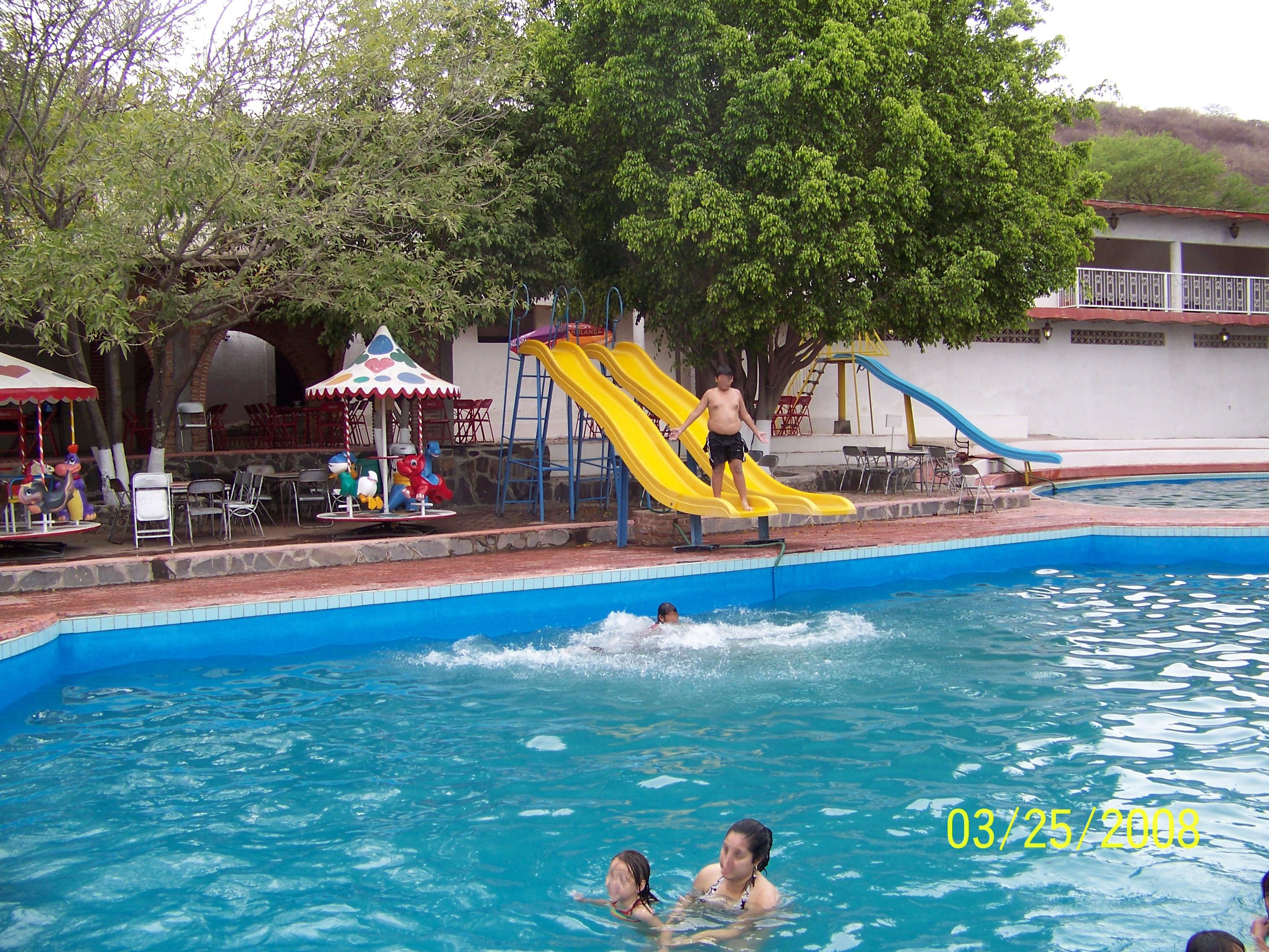 File balneario con agua wikimedia commons - Balneario de la alameda ...