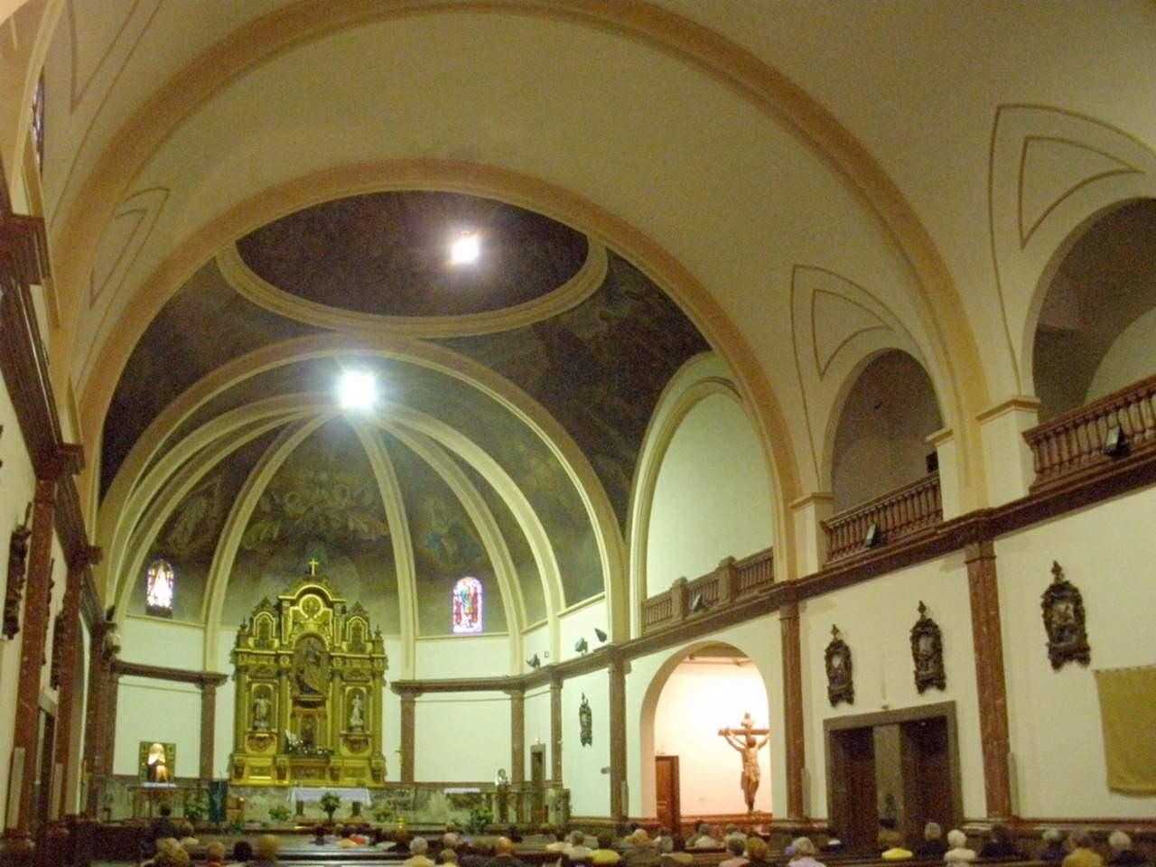 Interior parroquia de San Pedro de Basauri
