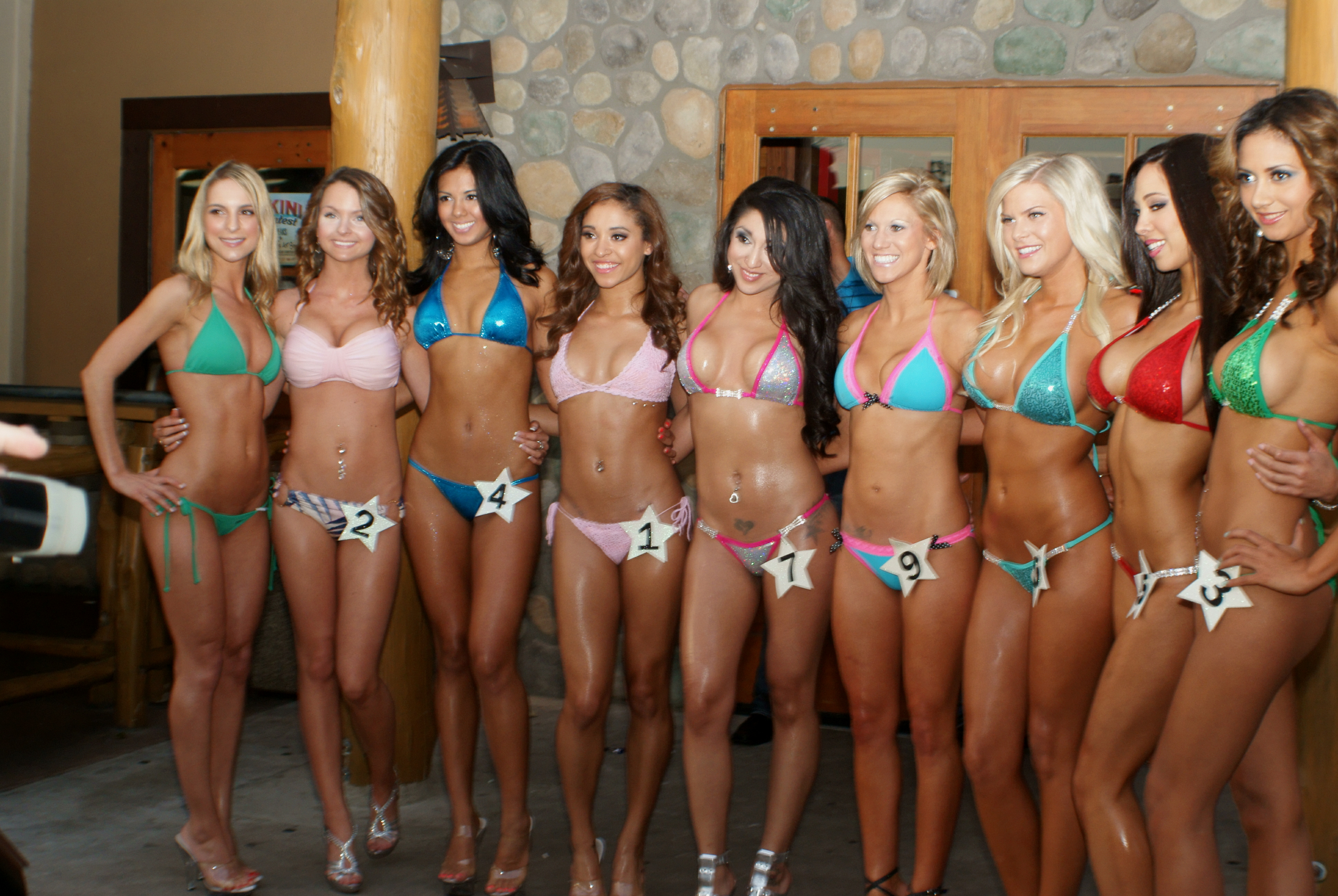 File:Bikini competition contestants (v2) 2012.jpg ...