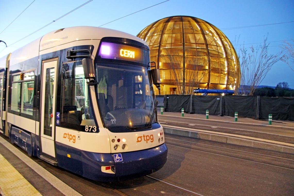 File:CERN Tram, line number 18.jpg - Wikimedia Commons