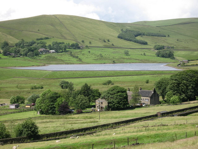 Castleshaw Lower Reservoir - geograph.org.uk - 483305