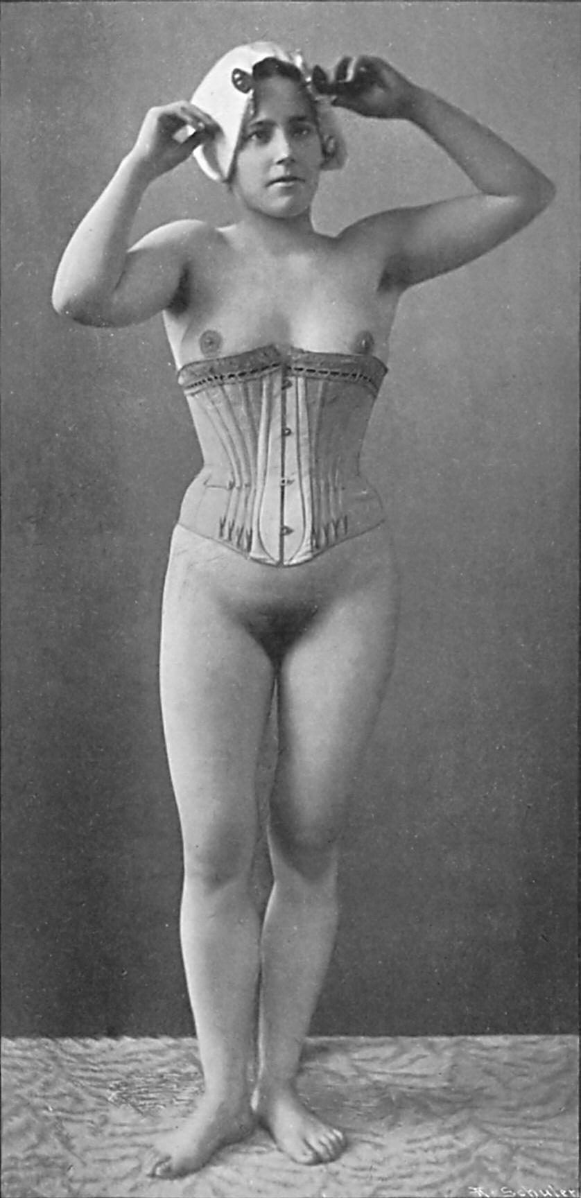 Unshaved female genitalia