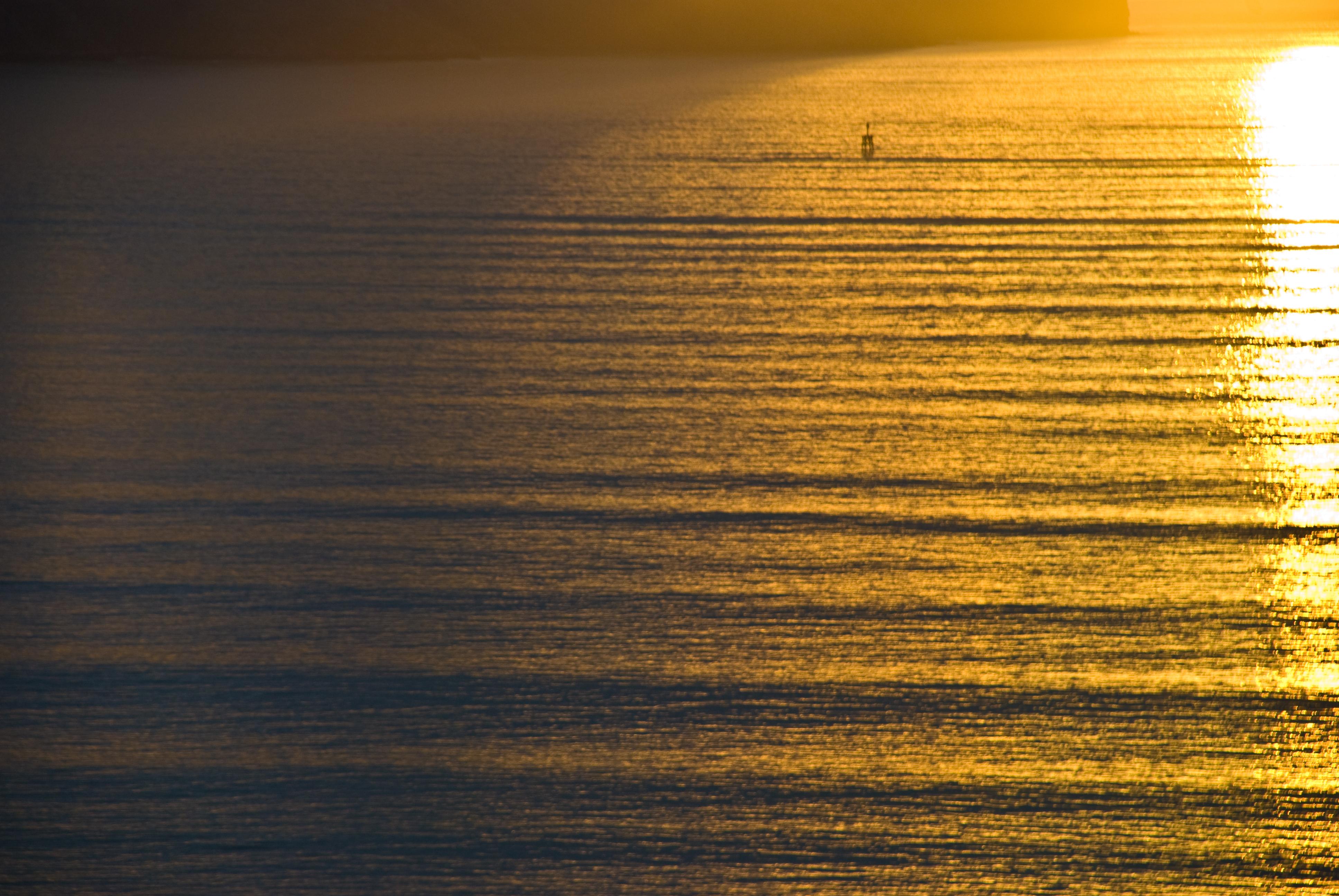 <b>Swell</b> (ocean) - Wikipedia, the free encyclopedia