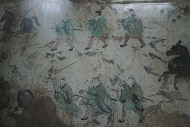 Eastern Han Dynasty tomb fresco of chariots, horses, and men, Luoyang 3.jpg