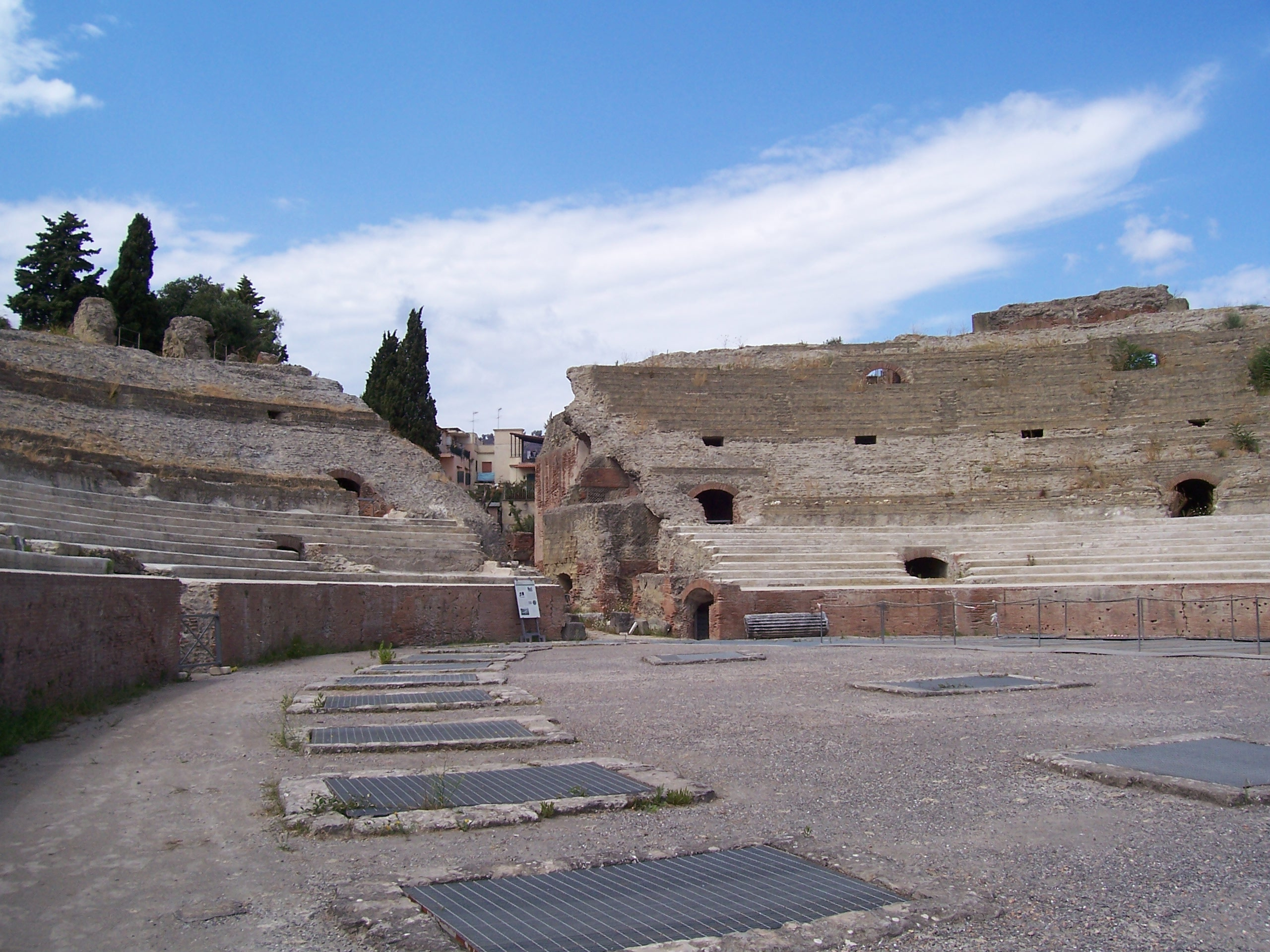 Pozzuoli Italy  City pictures : Description Flavian Amphitheater Pozzuoli 3