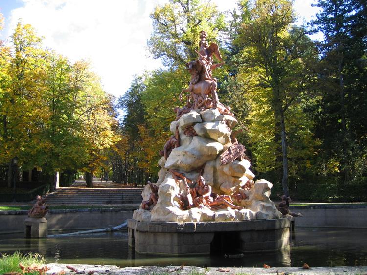 File:Fuente en Jardines de La Granja.pav.jpg