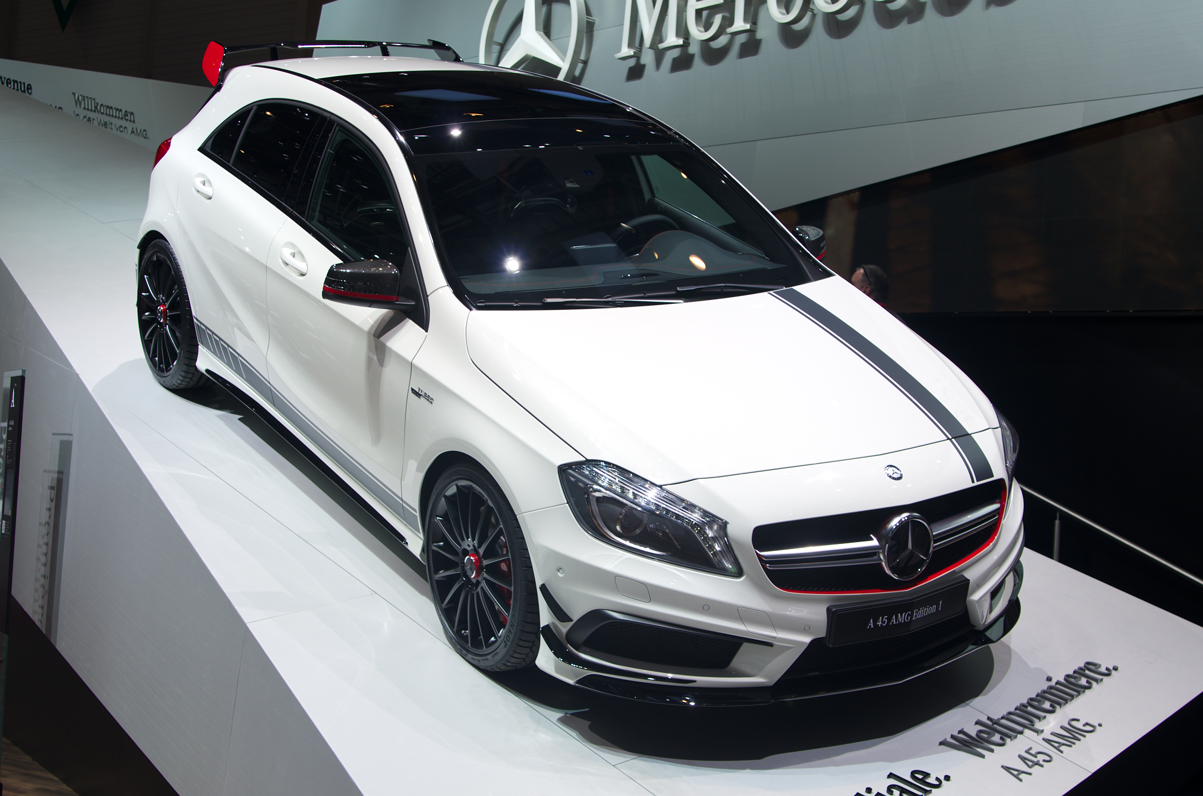 file geneva motorshow 2013 mercedes a 45 amg edition wikimedia commons. Black Bedroom Furniture Sets. Home Design Ideas
