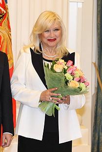 https://upload.wikimedia.org/wikipedia/commons/e/e0/Irina_Miroshnichenko.jpg