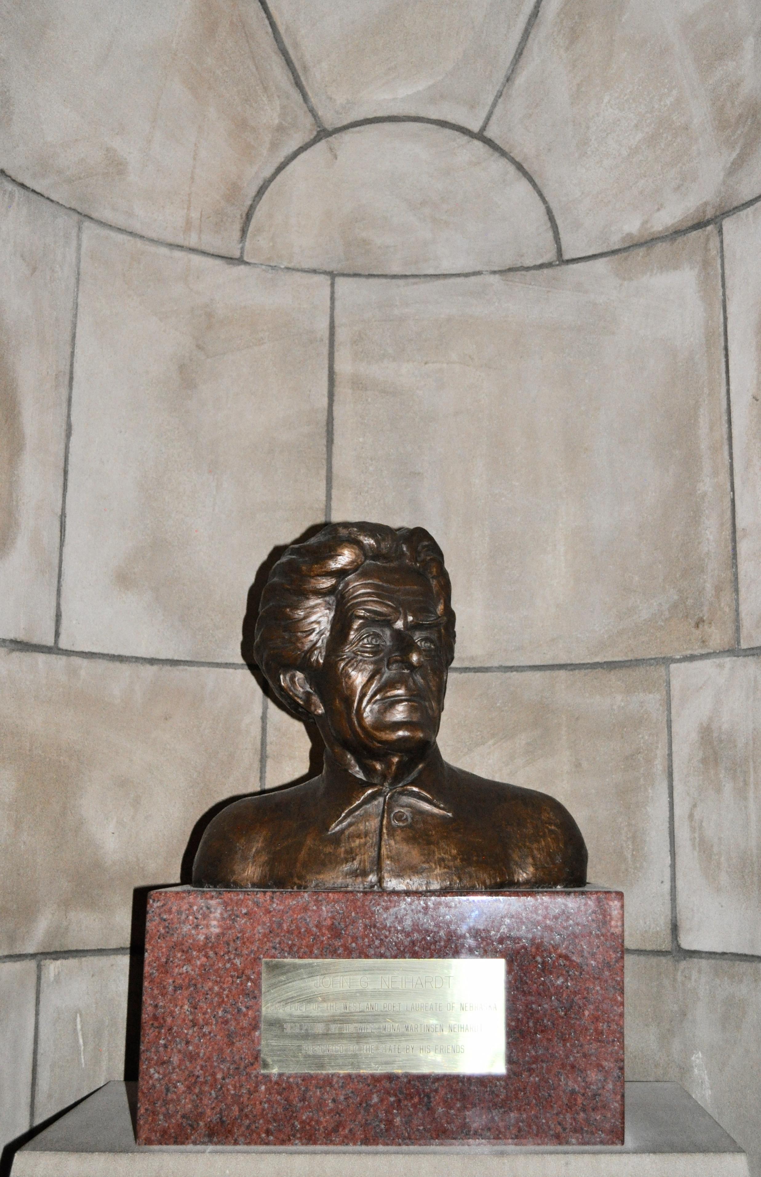 File:John G. Neihardt bust2.jpg - Wikimedia Commons