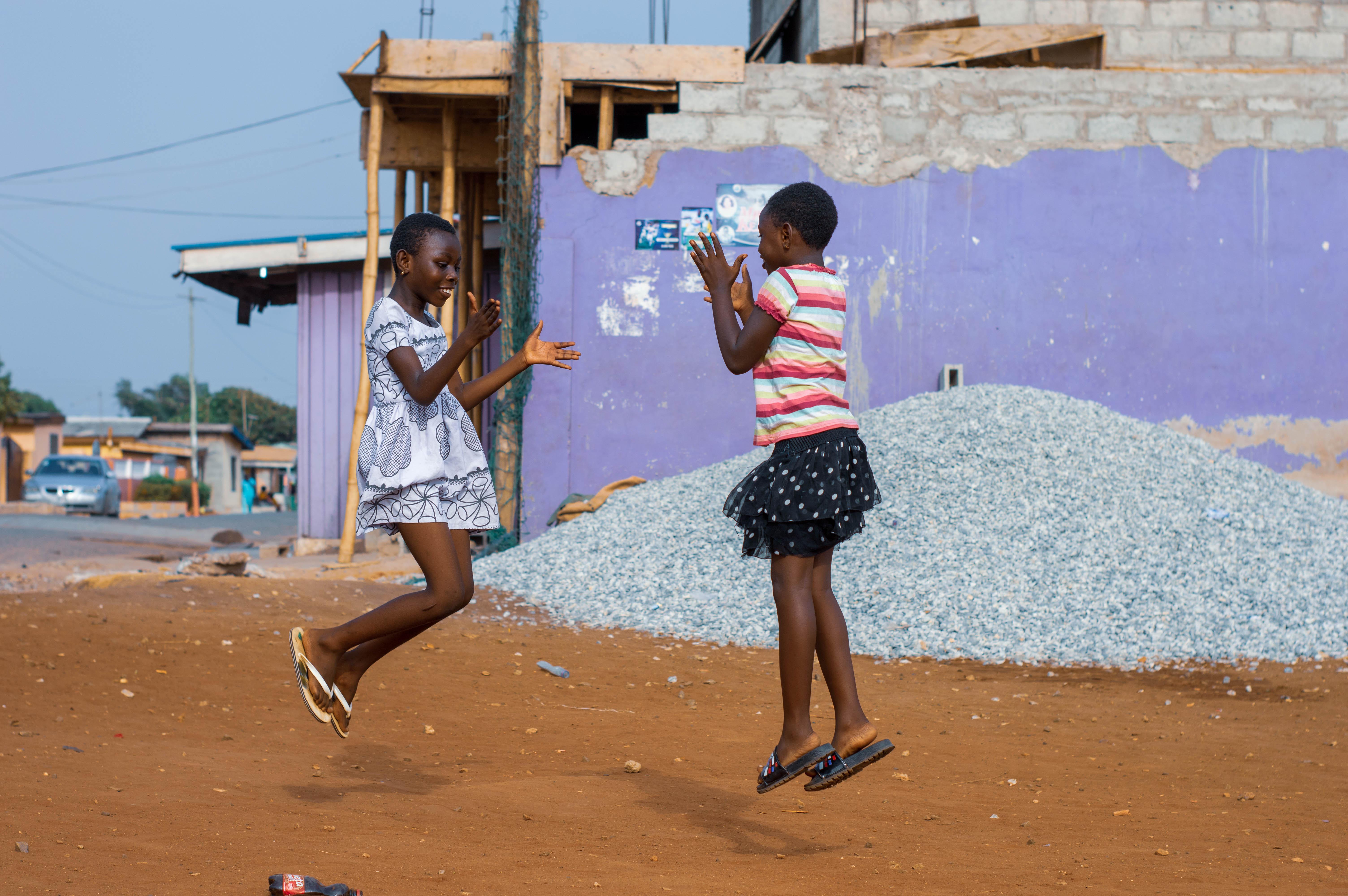 Niños jugando AMPE