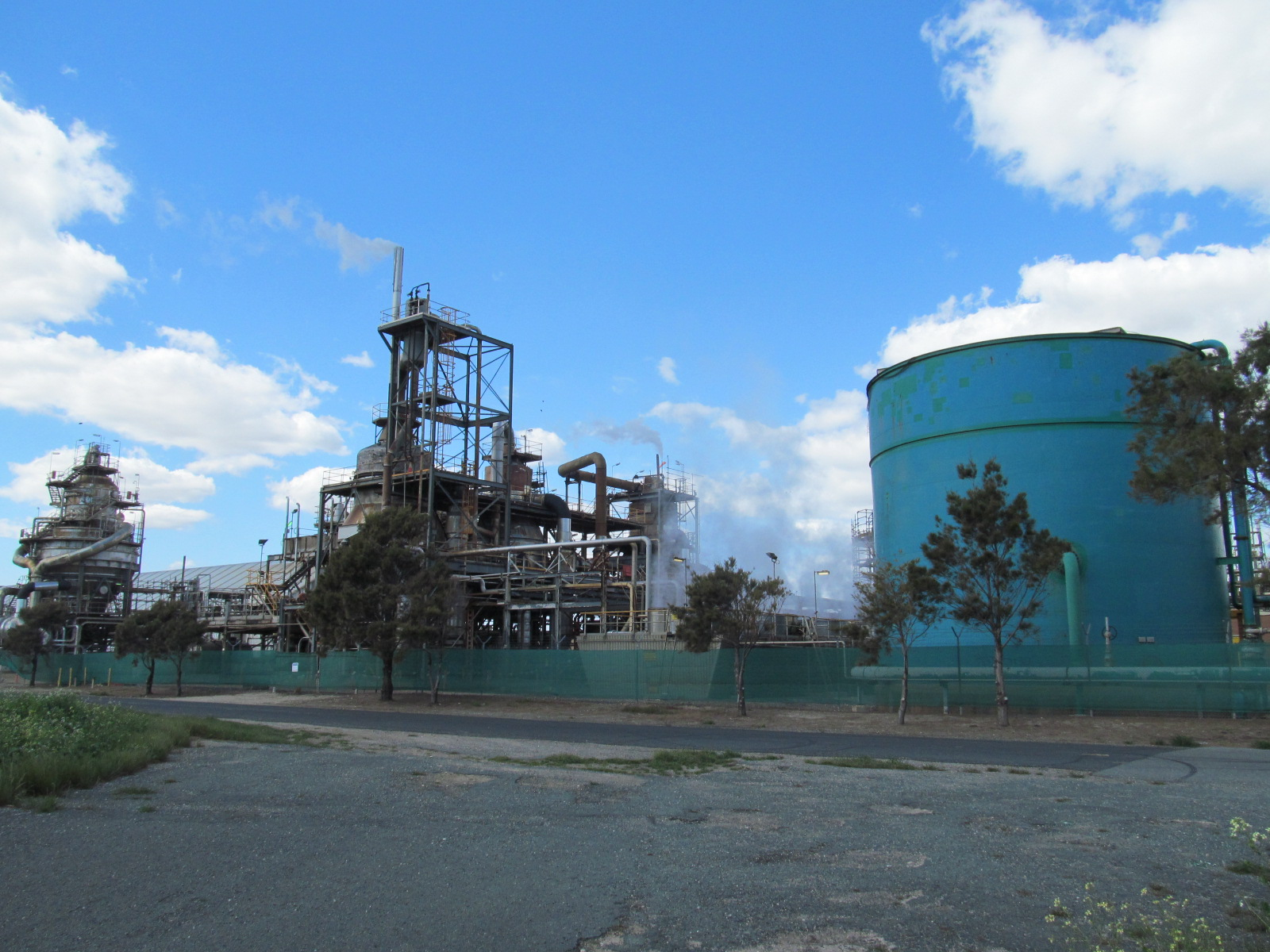 File:Kwinana Nickel Refinery W5 jpg - Wikimedia Commons
