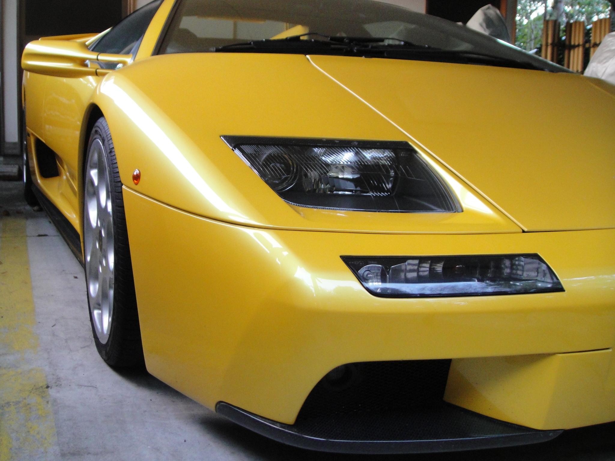 File Lamborghini Diablo Front Yellow Jpg Wikimedia Commons