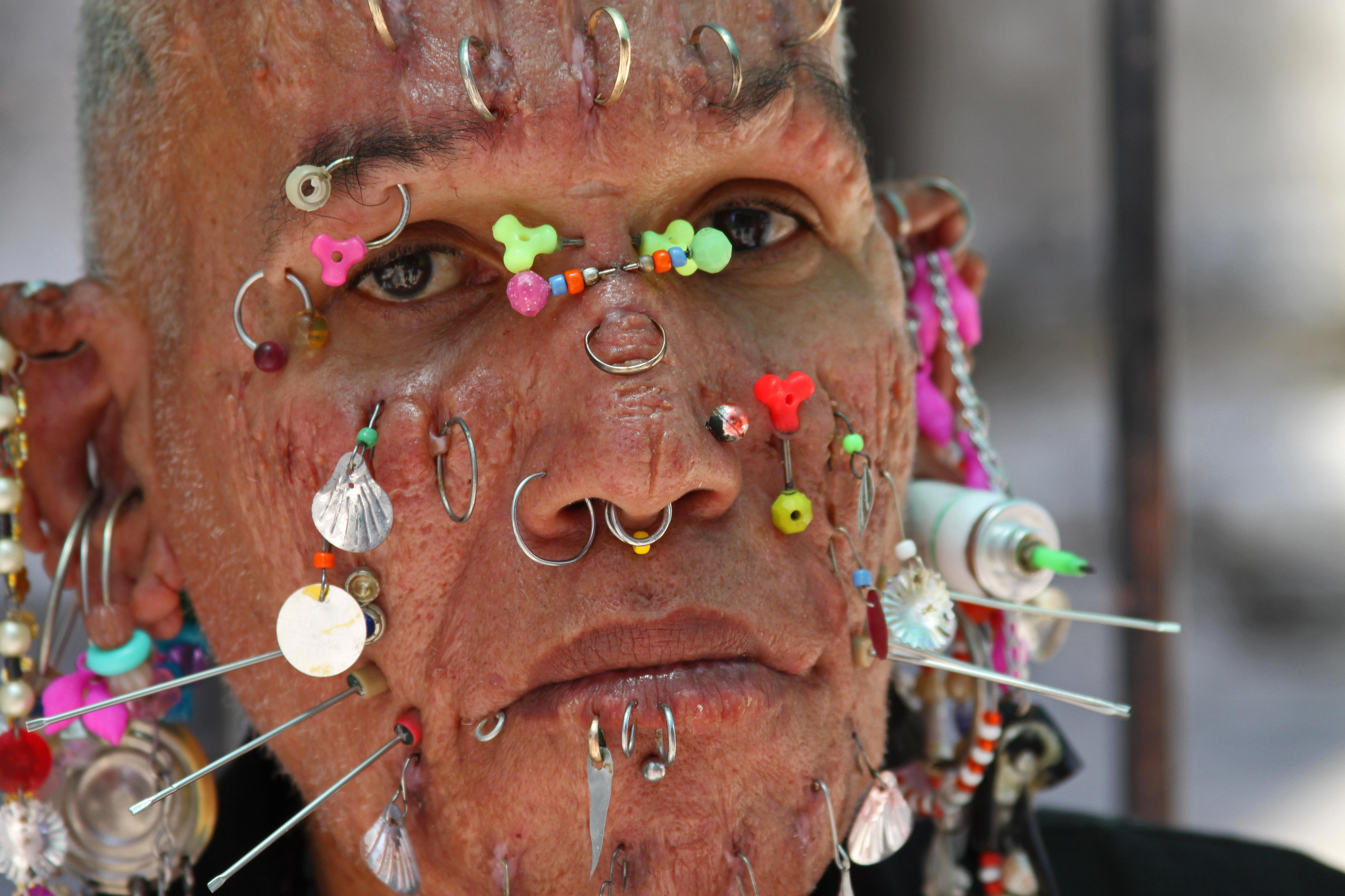 Body piercings — photo 15